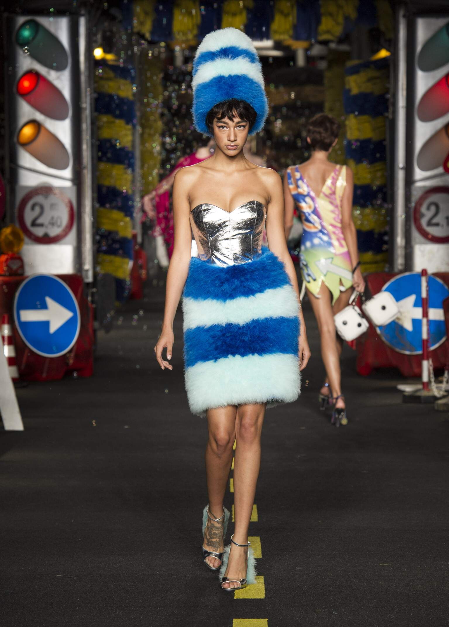 Moschino Summer 2016 Catwalk Milan