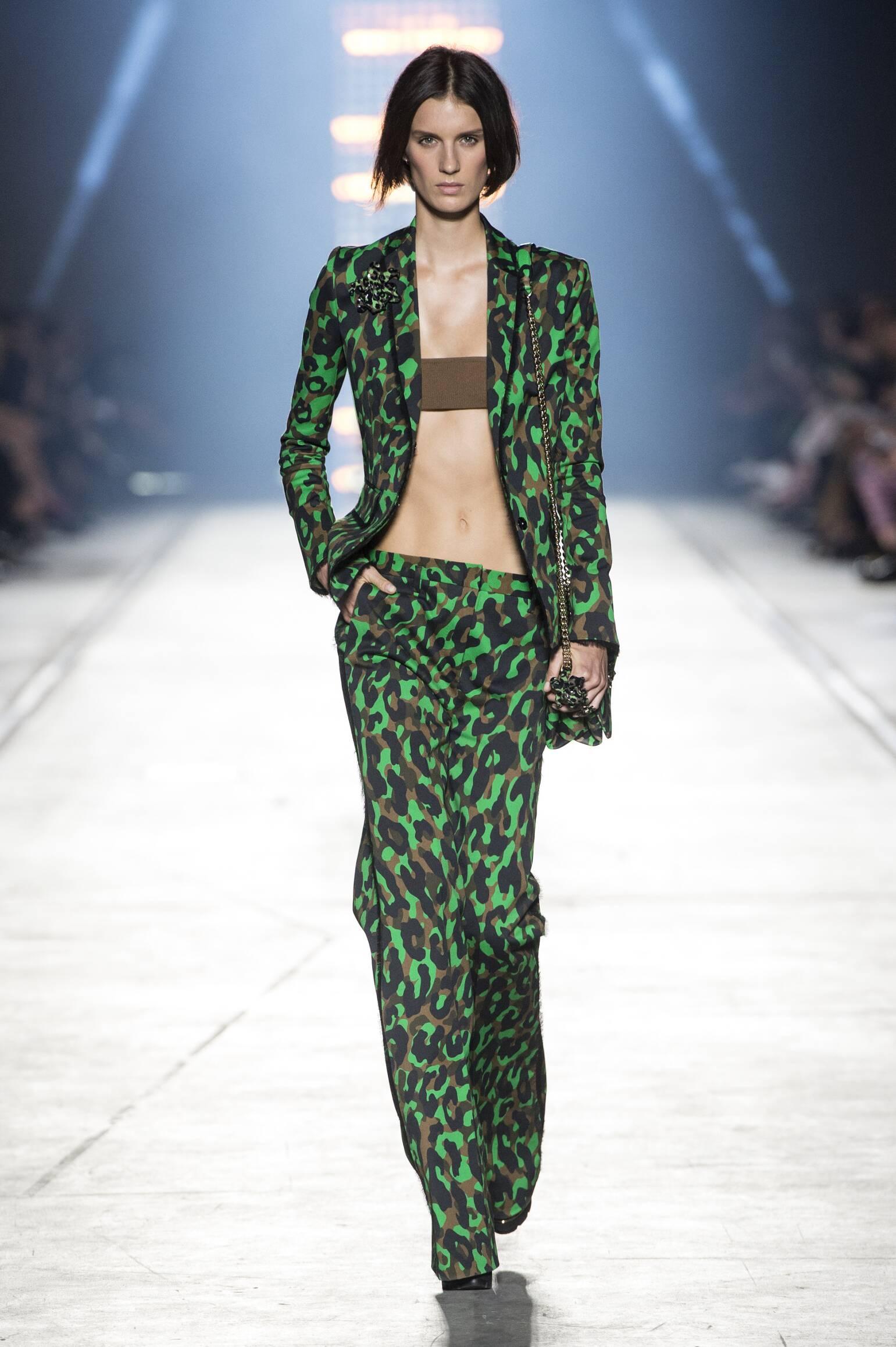 Runway Versace Spring Summer 2016 Women's Collection Milan Fashion Week