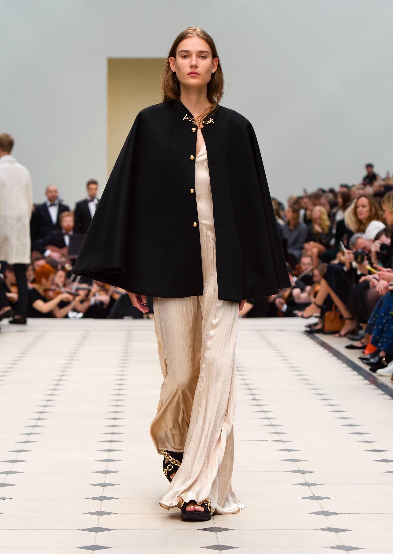 SS 2016 Burberry Prorsum Fashion Model