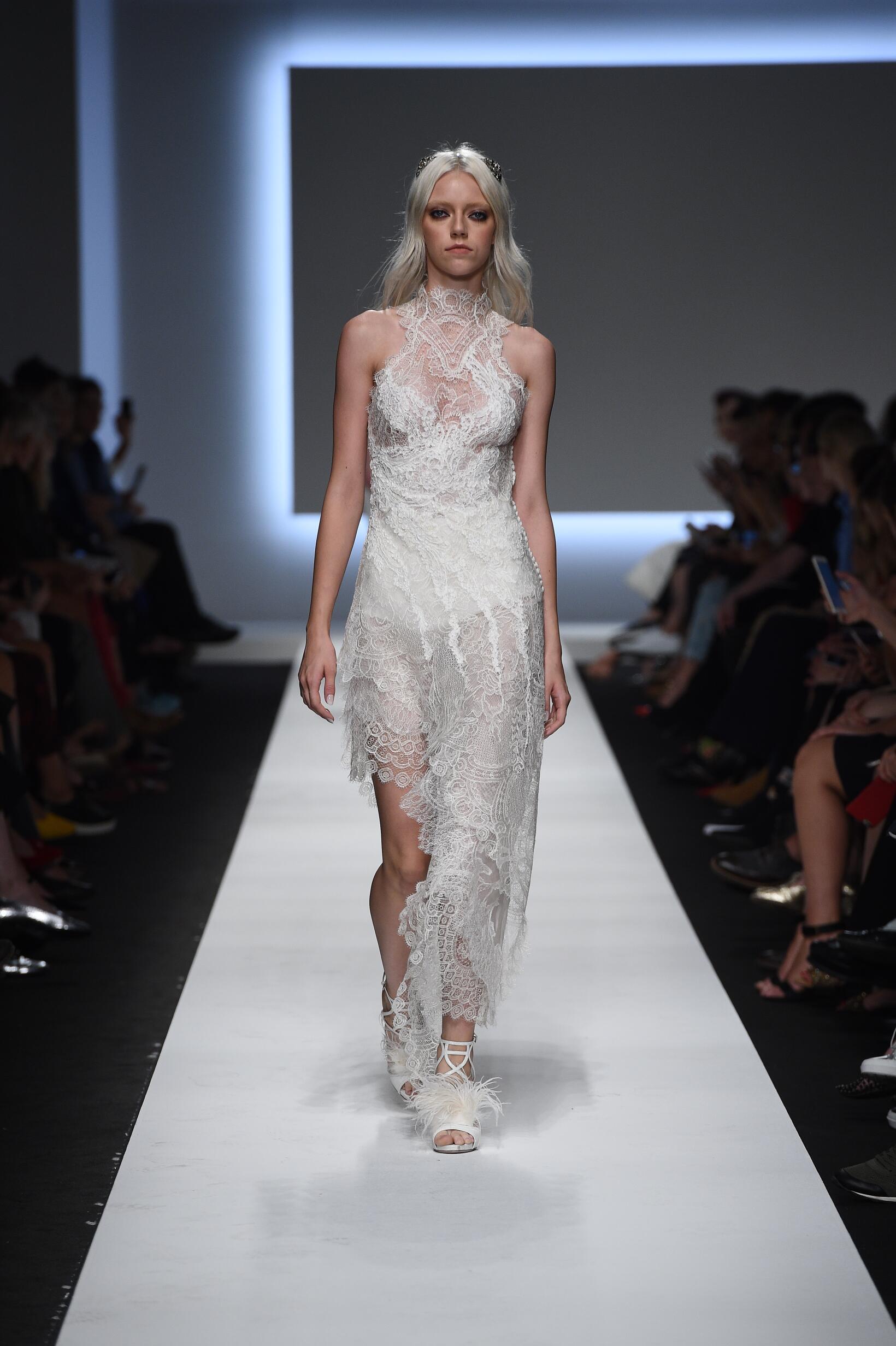 SS 2016 Ermanno Scervino Fashion Show Milan