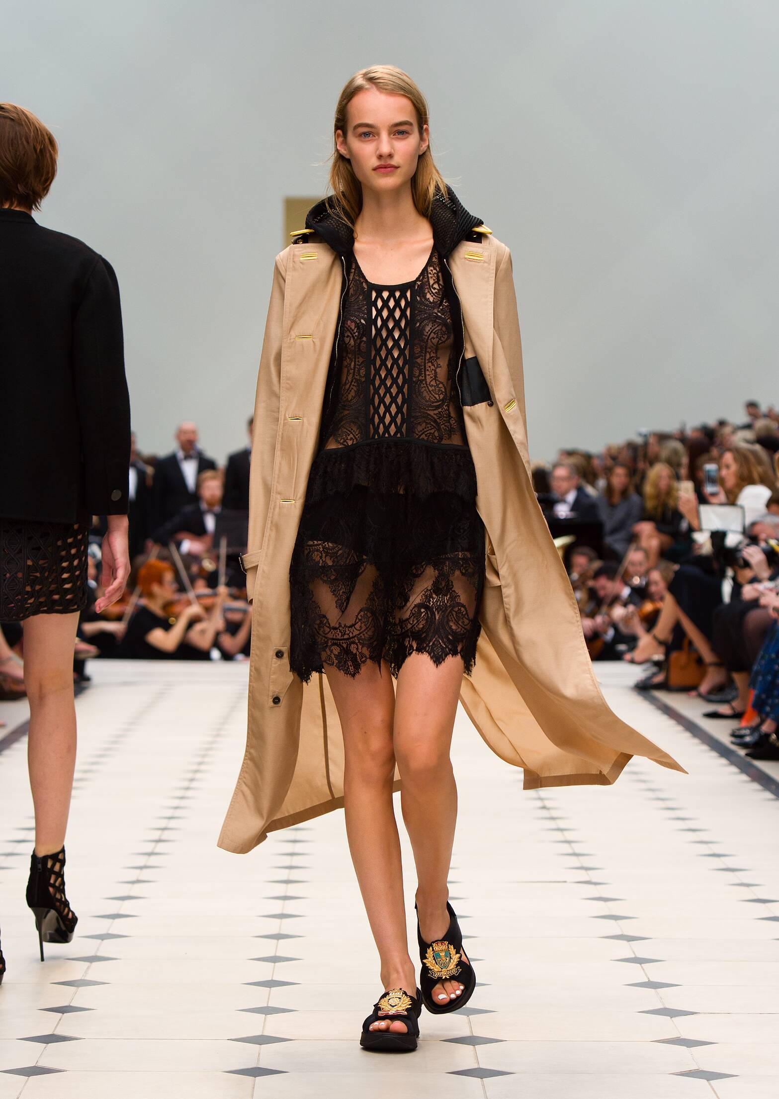 SS 2016 Fashion Show Burberry Prorsum