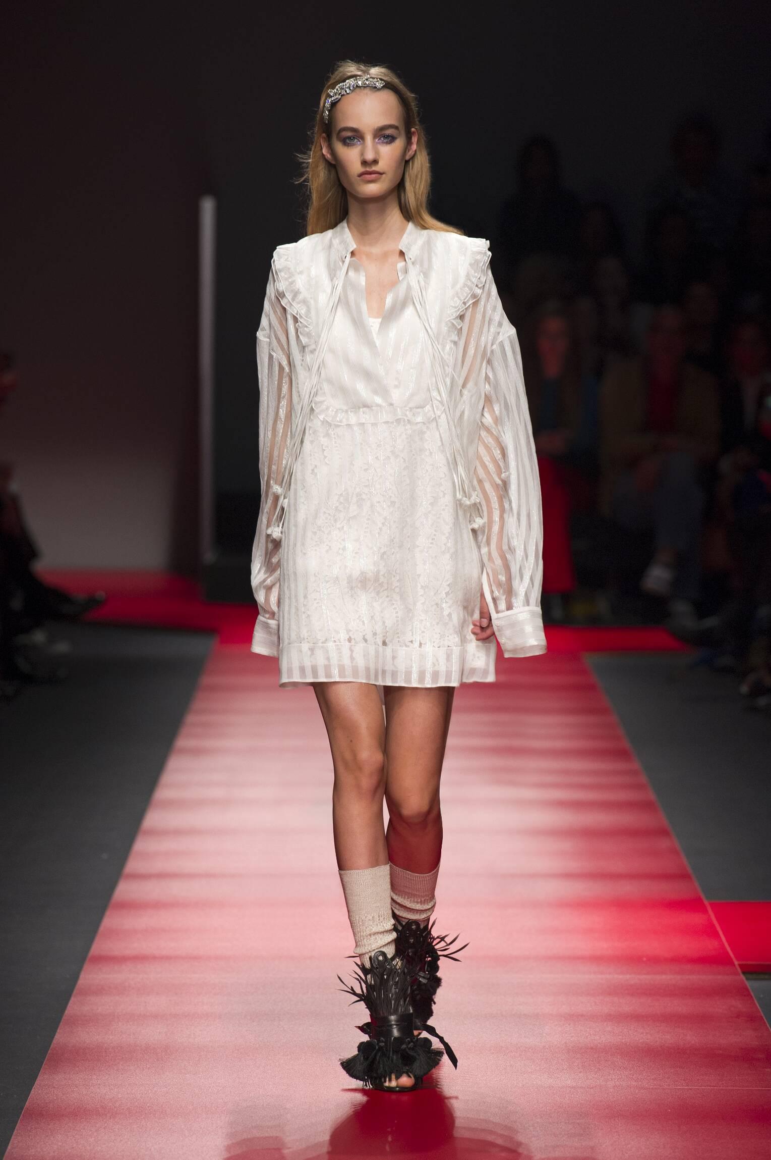 SS 2016 Fashion Show N°21