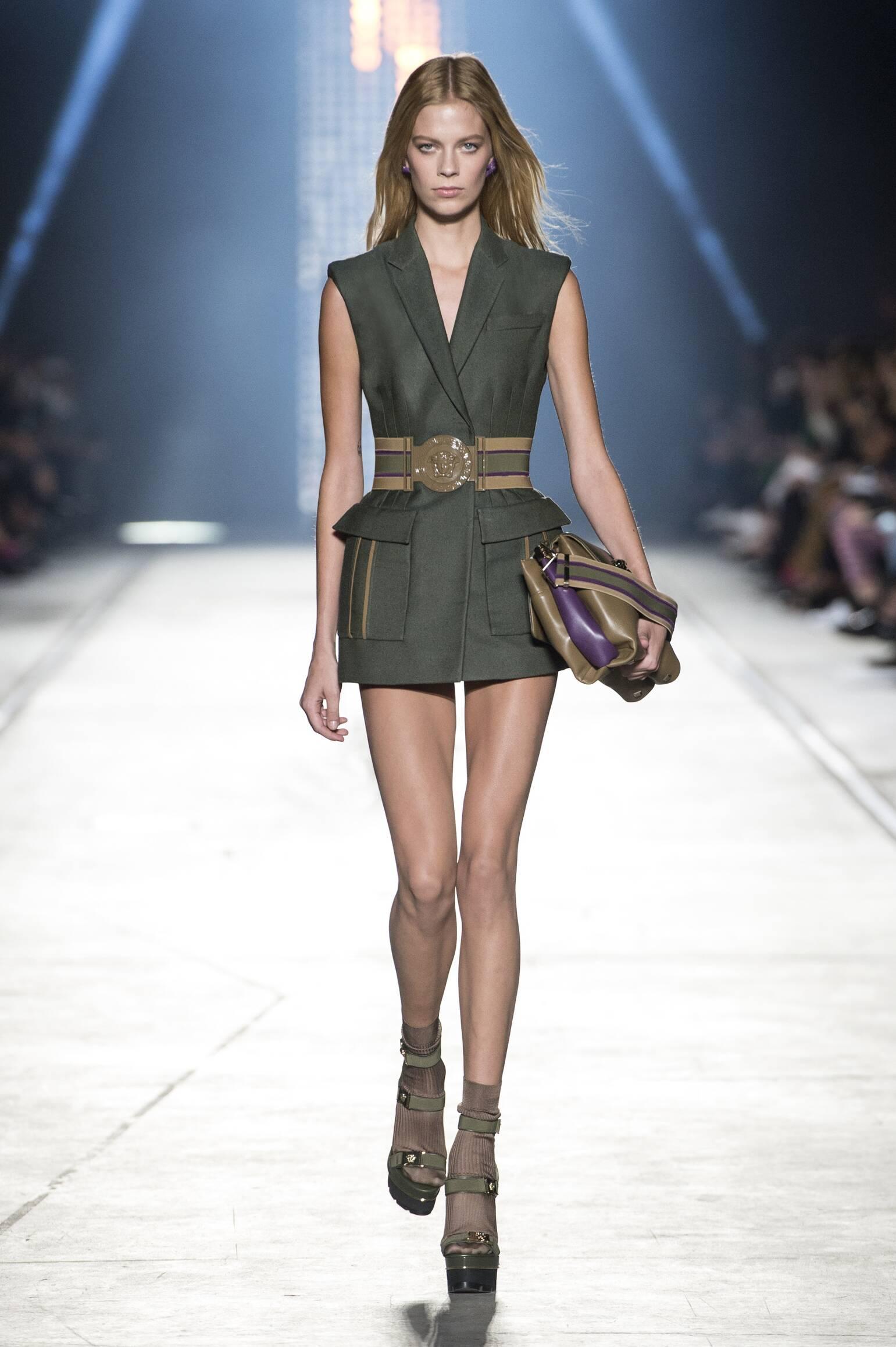 SS 2016 Versace Fashion Show