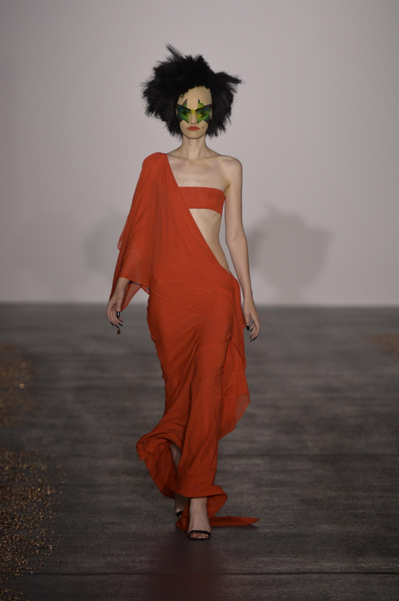 Spring 2016 Fashion Trends Gareth Pugh Collection