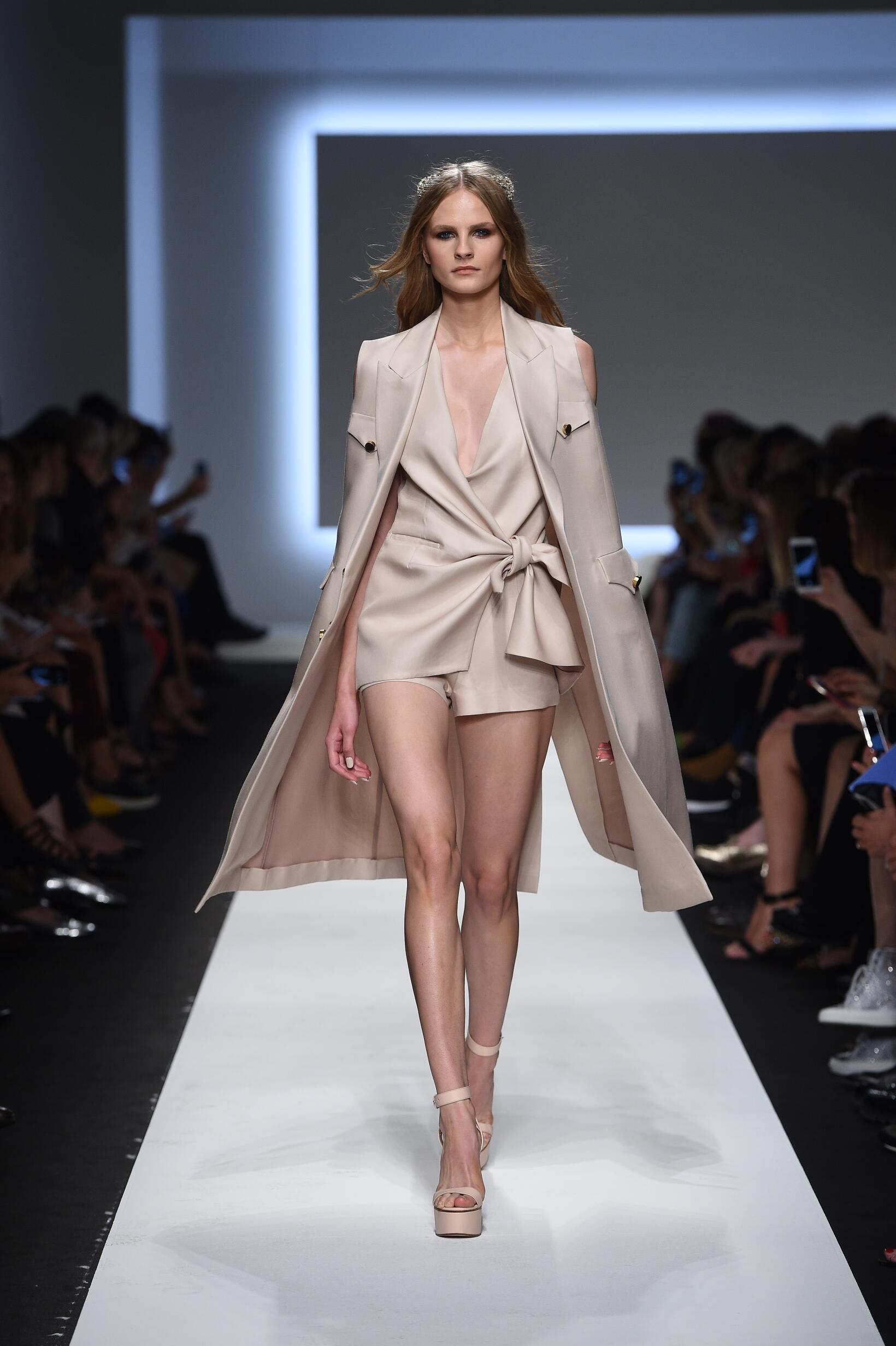Spring 2016 Woman Fashion Show Ermanno Scervino