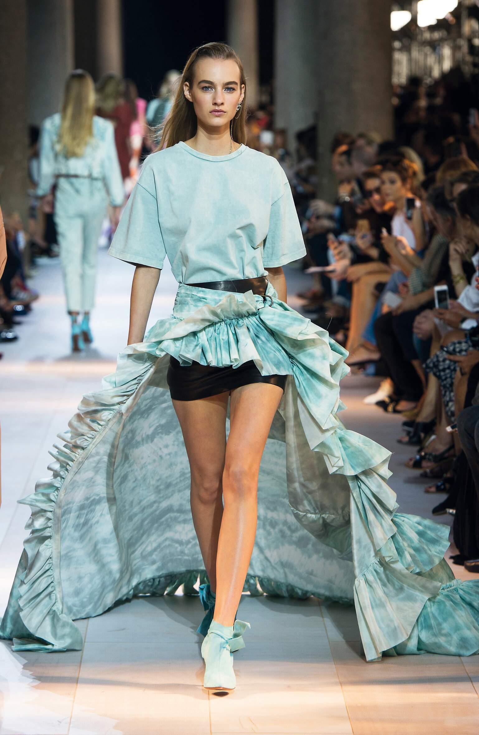 Spring 2016 Woman Fashion Show Roberto Cavalli