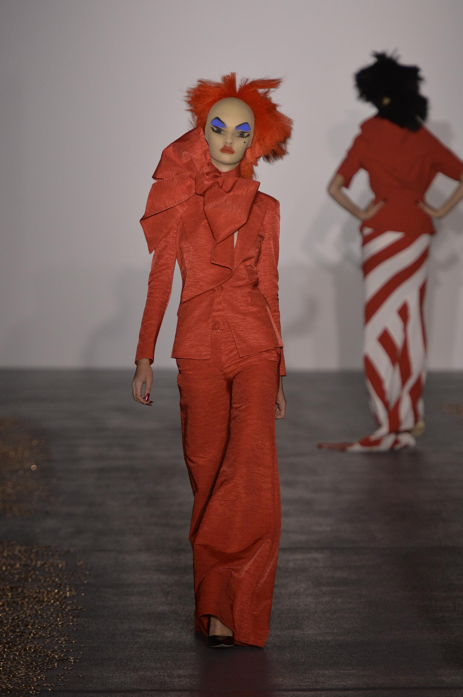 Spring 2016 Women Fashion Show Gareth Pugh Collection