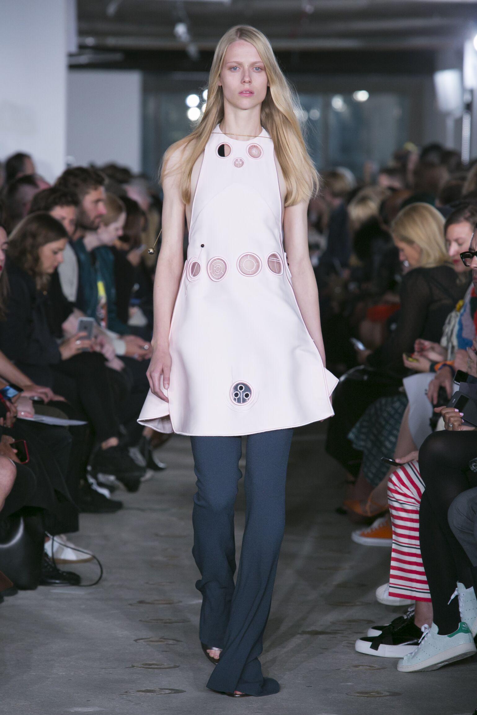 Spring 2016 Women Fashion Show Thomas Tait Collection