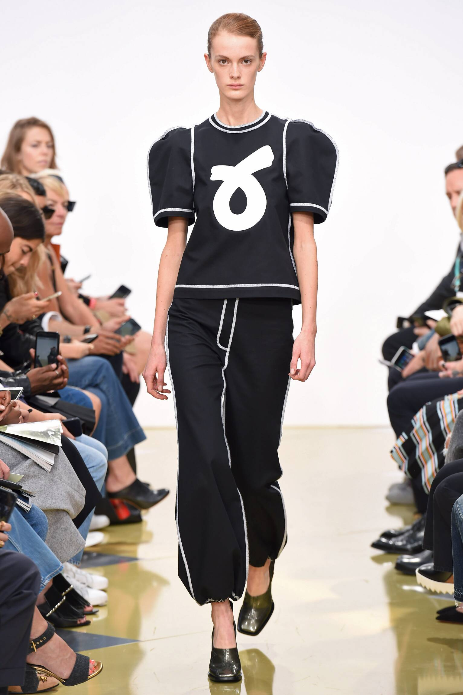 Spring Fashion 2016 J.W. Anderson Collection