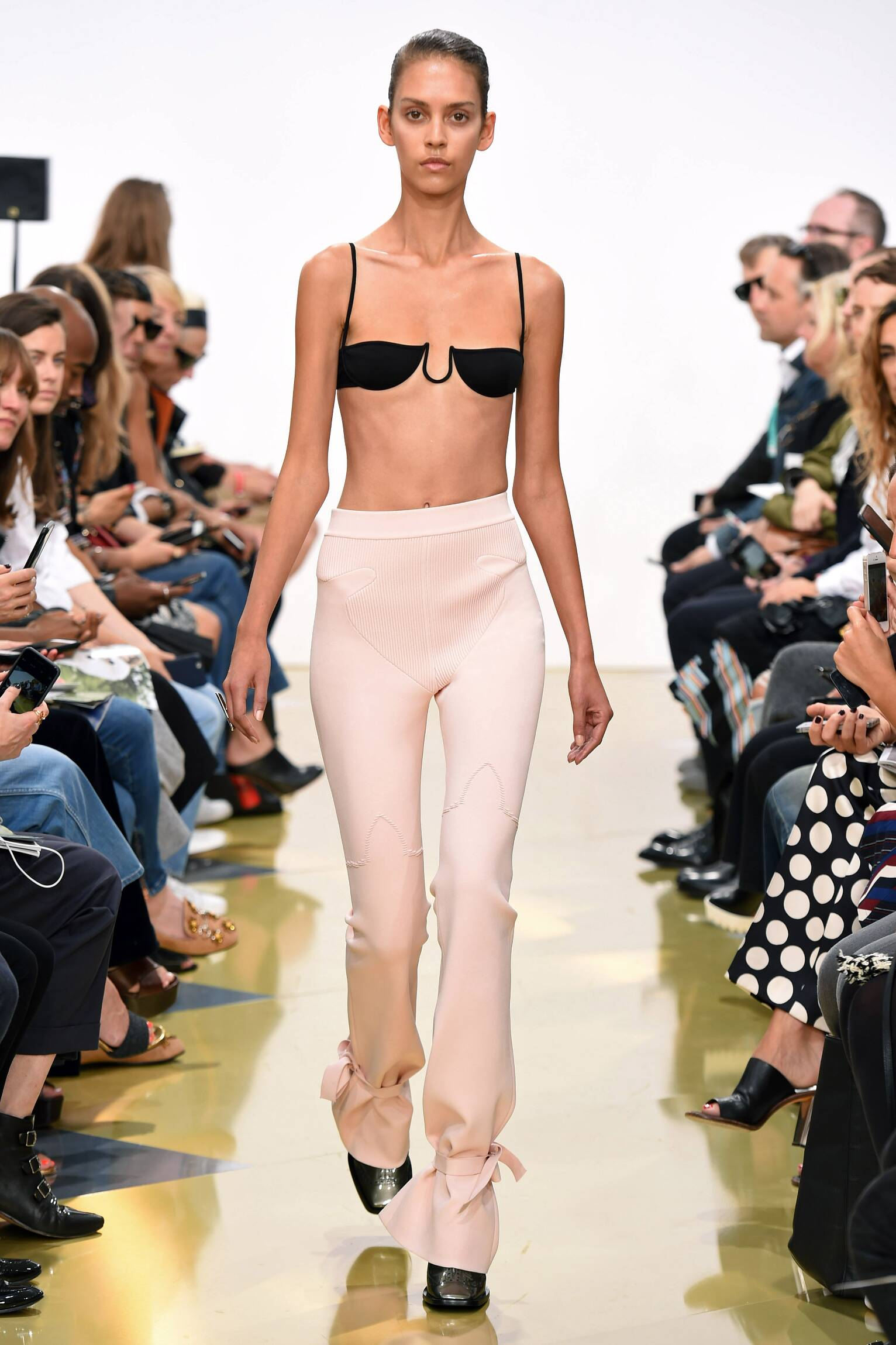 Spring Fashion Woman J.W. Anderson Collection