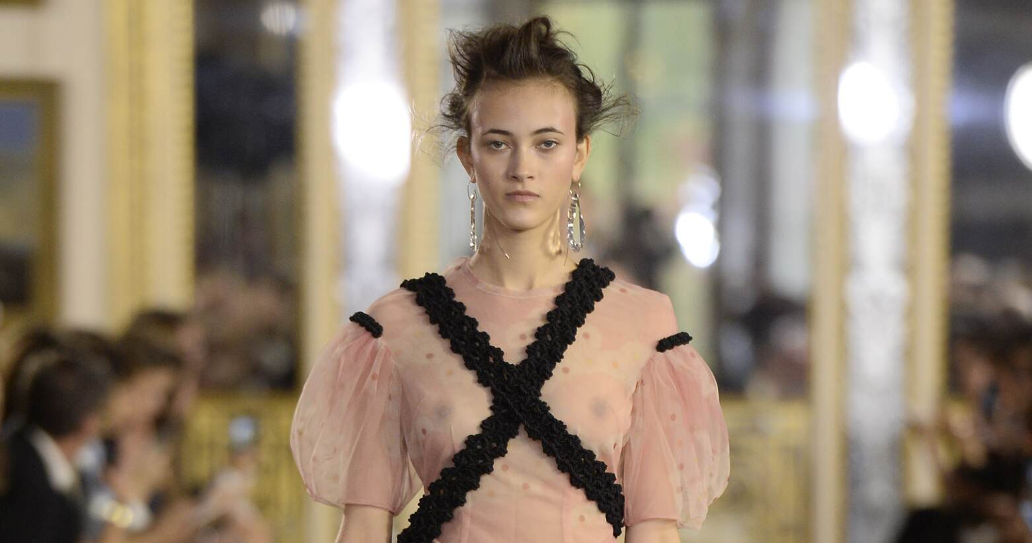 Spring Fashion Woman Simone Rocha Collection 2016