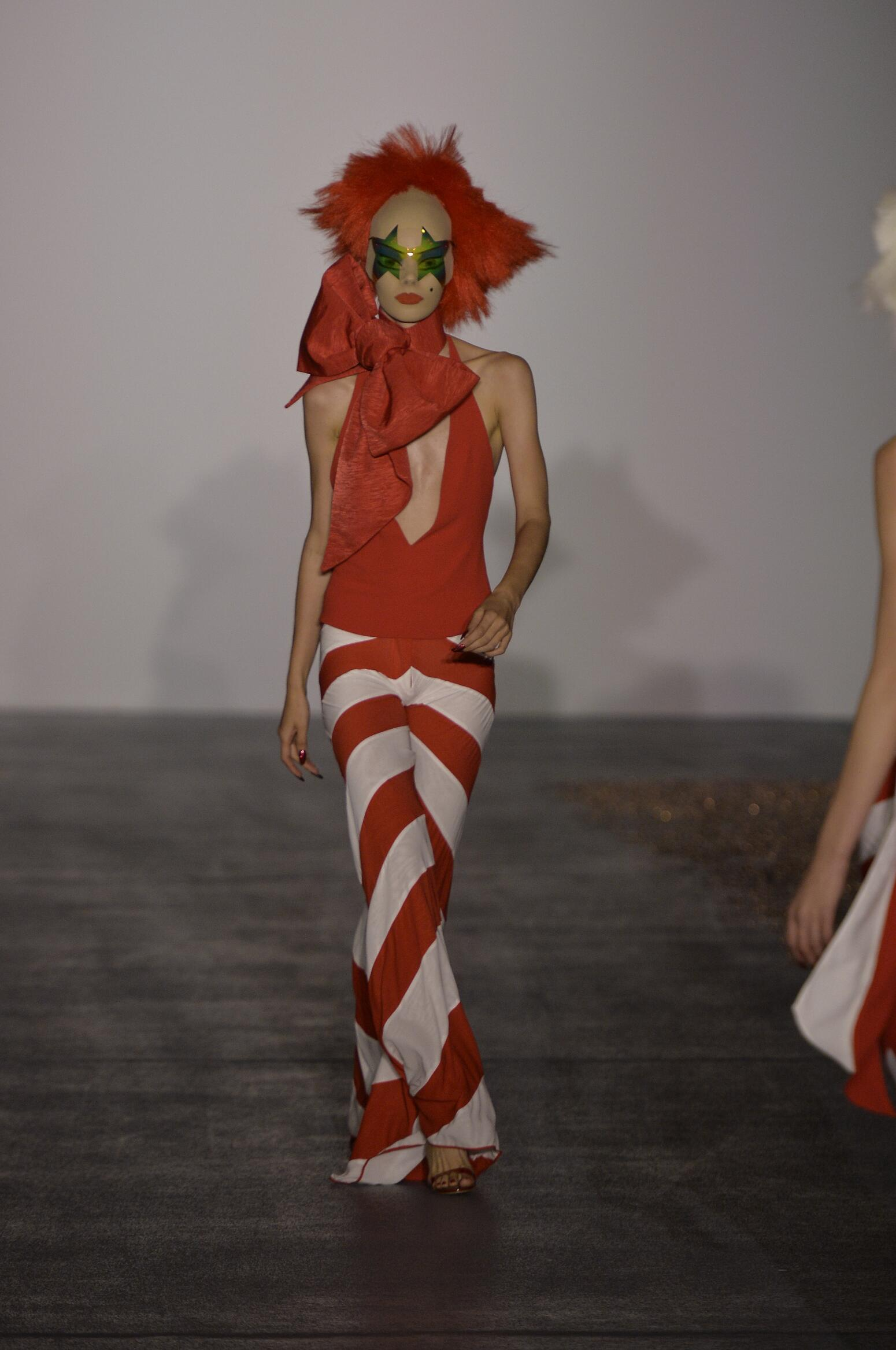 Summer 2016 Fashion Show Gareth Pugh Collection