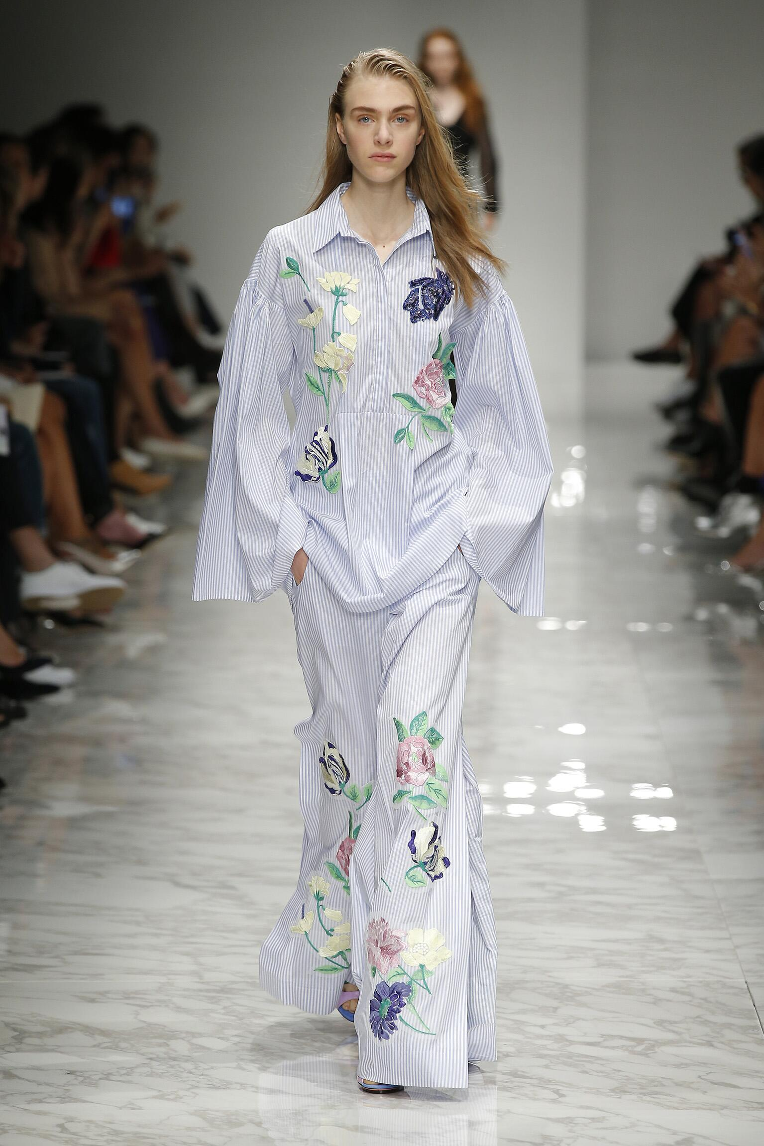 BLUMARINE SPRING SUMMER 2016 WOMEN'S COLLECTION