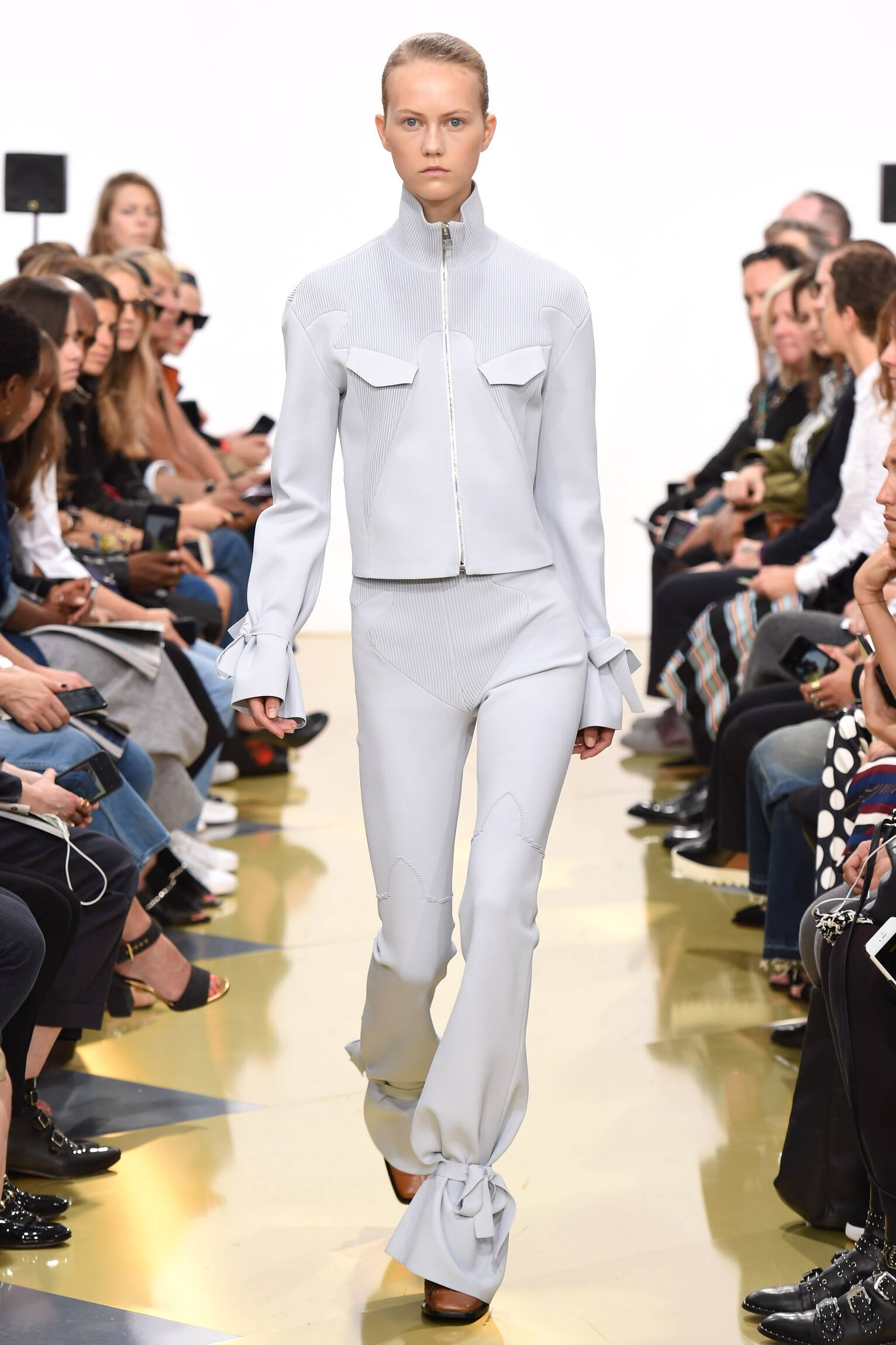 Summer Fashion Trends 2016 J.W. Anderson Collection