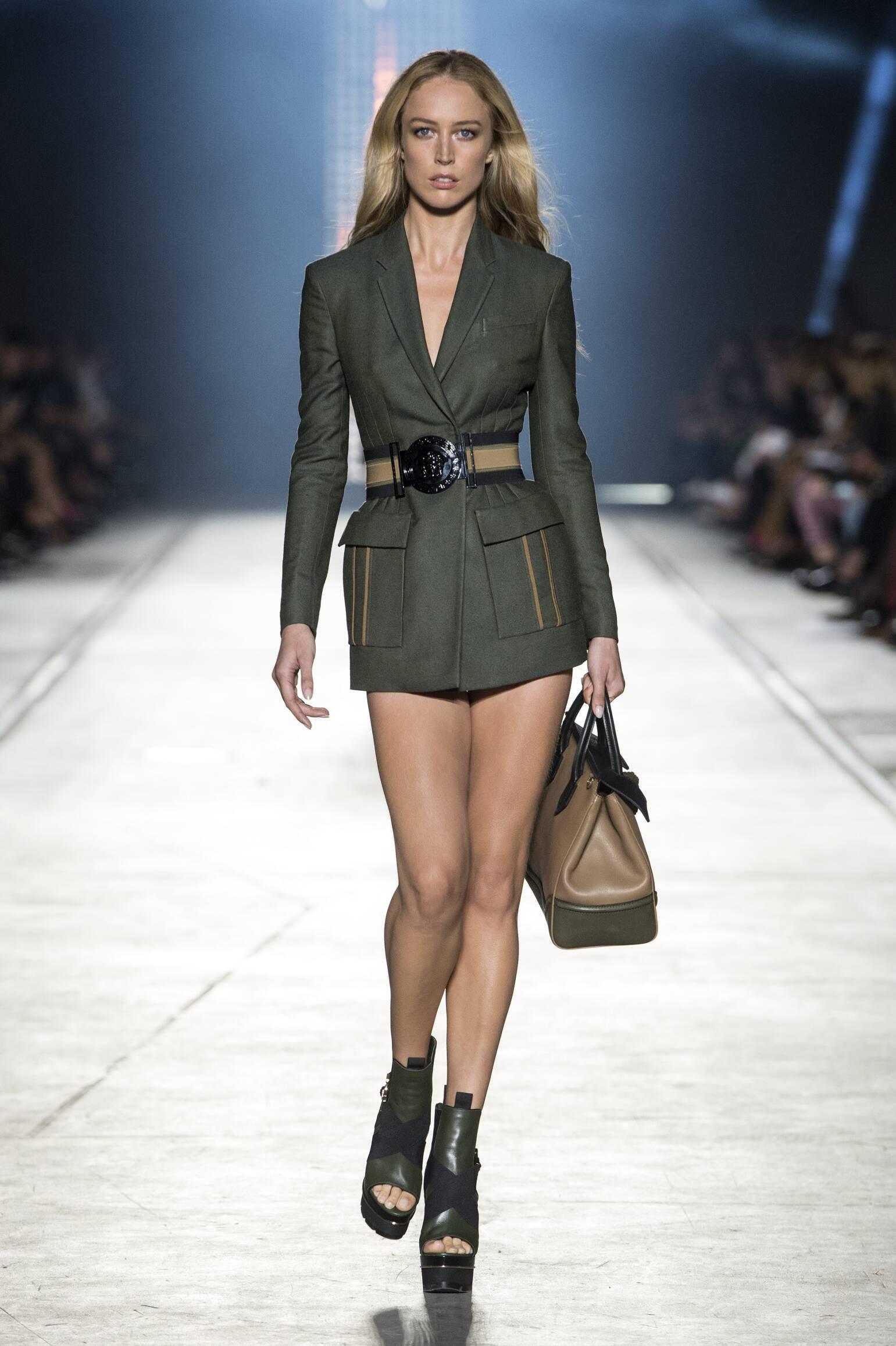 Versace Fashion Show SS 2016