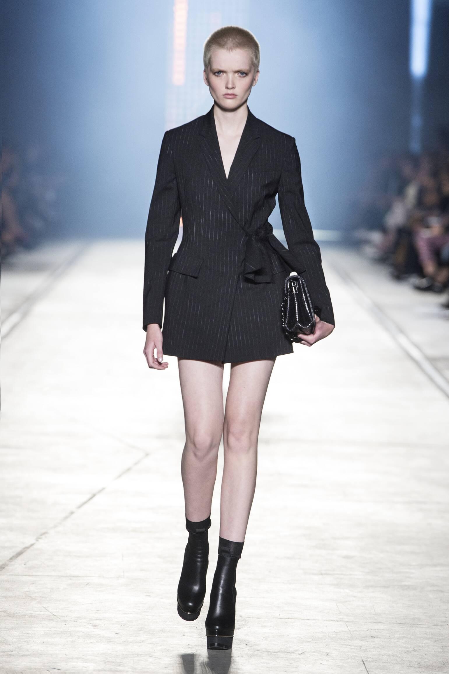 Versace Spring 2016 Catwalk