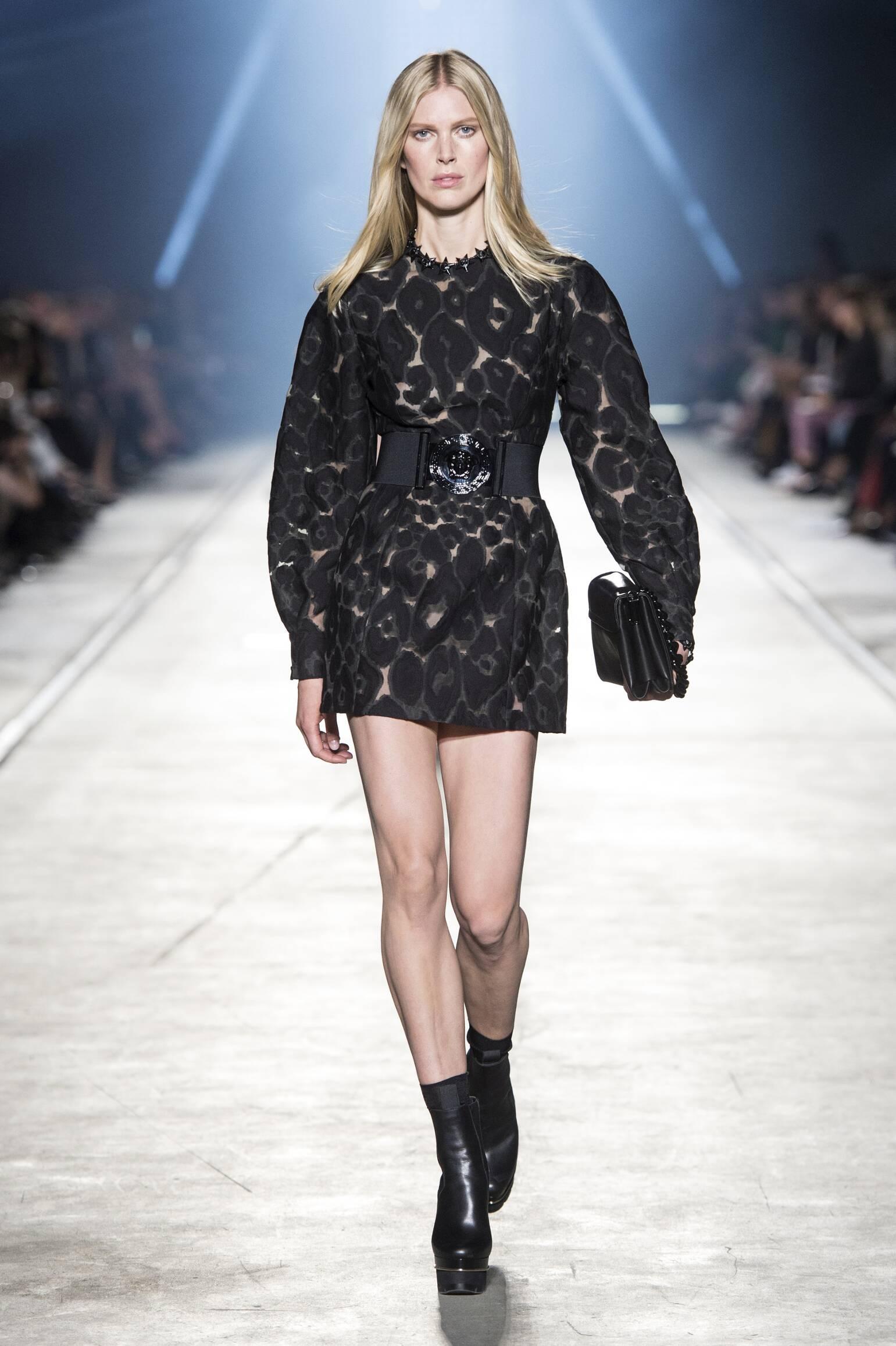 Versace Summer 2016 Catwalk