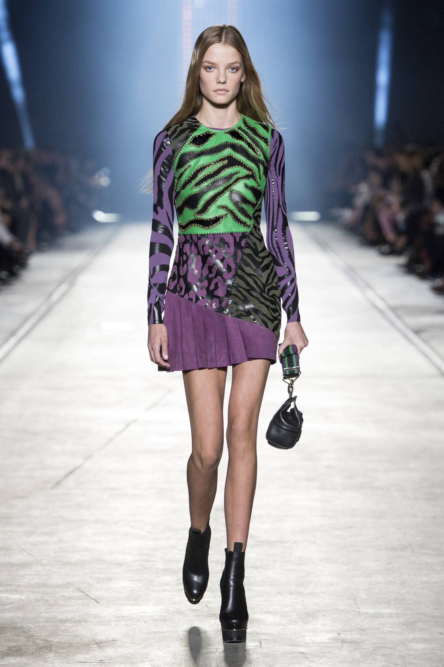 d103d169 VERSACE SPRING SUMMER 2016 WOMEN'S COLLECTION | The Skinny Beep