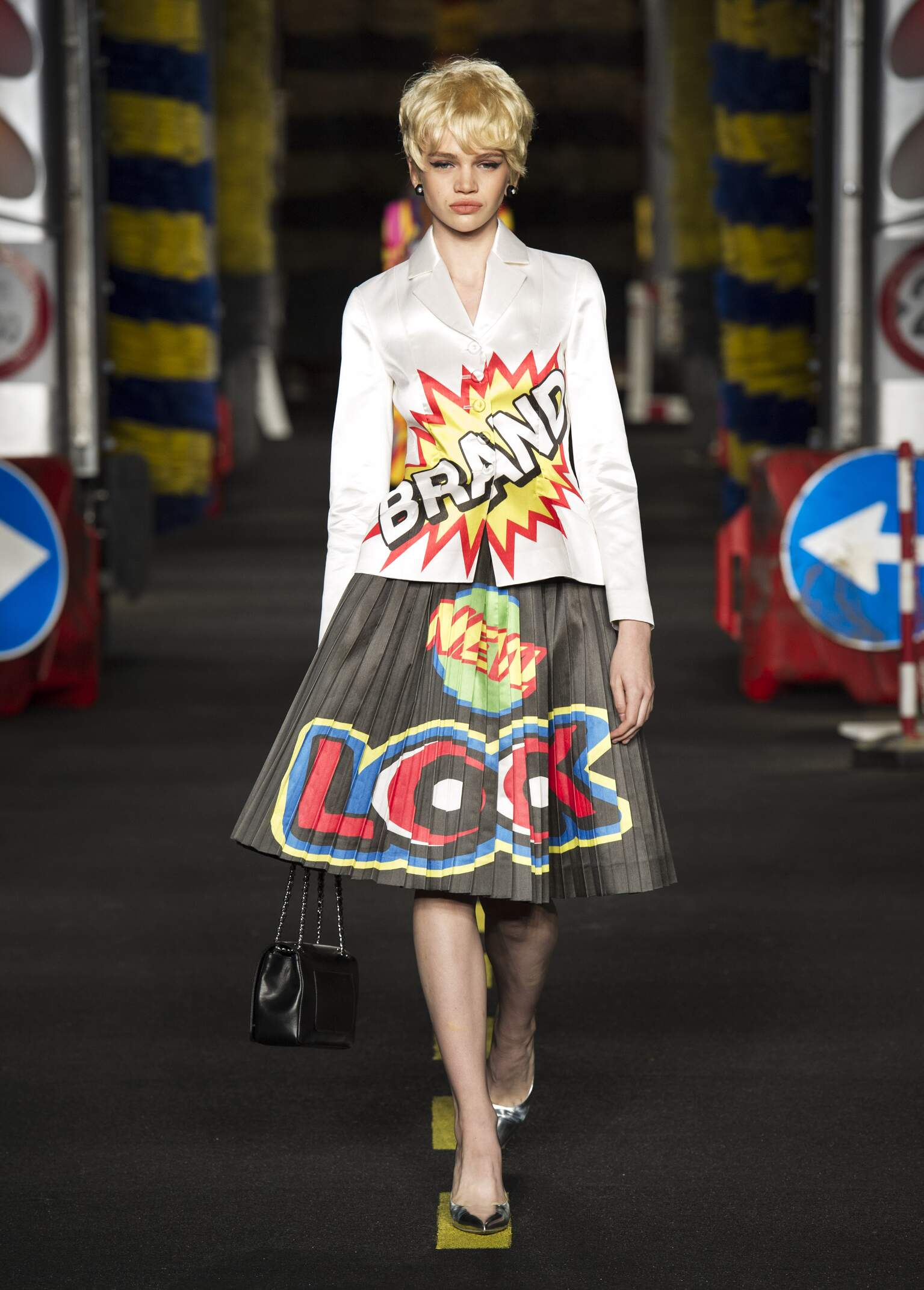 Womenswear Summer Moschino 2016