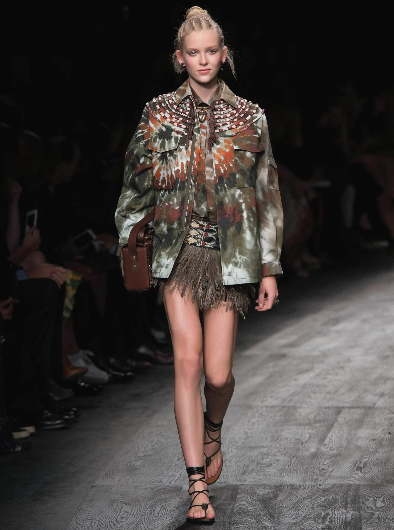 2016 Catwalk Valentino Woman Fashion Show Summer