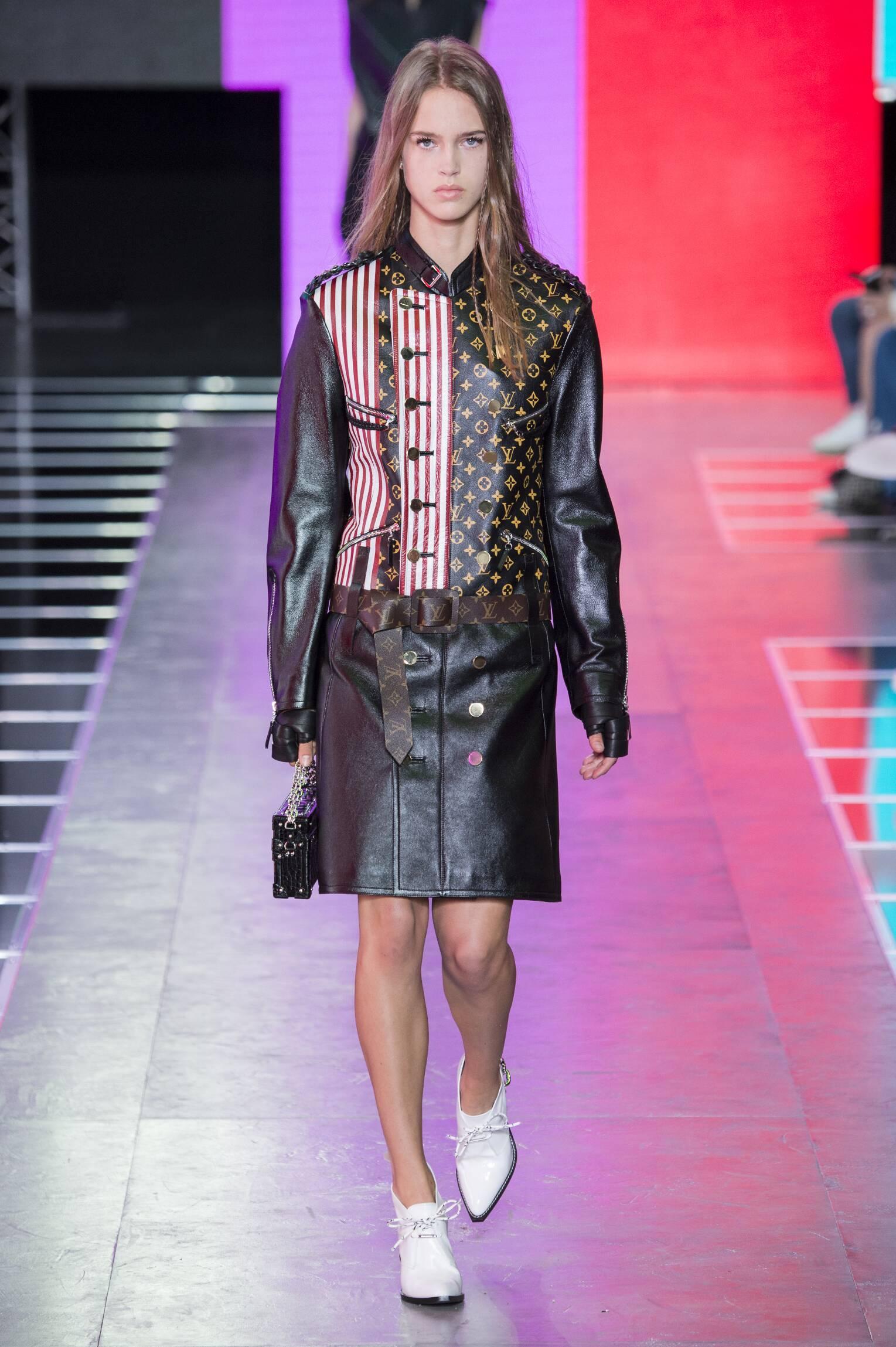 2016 Louis Vuitton Spring Catwalk