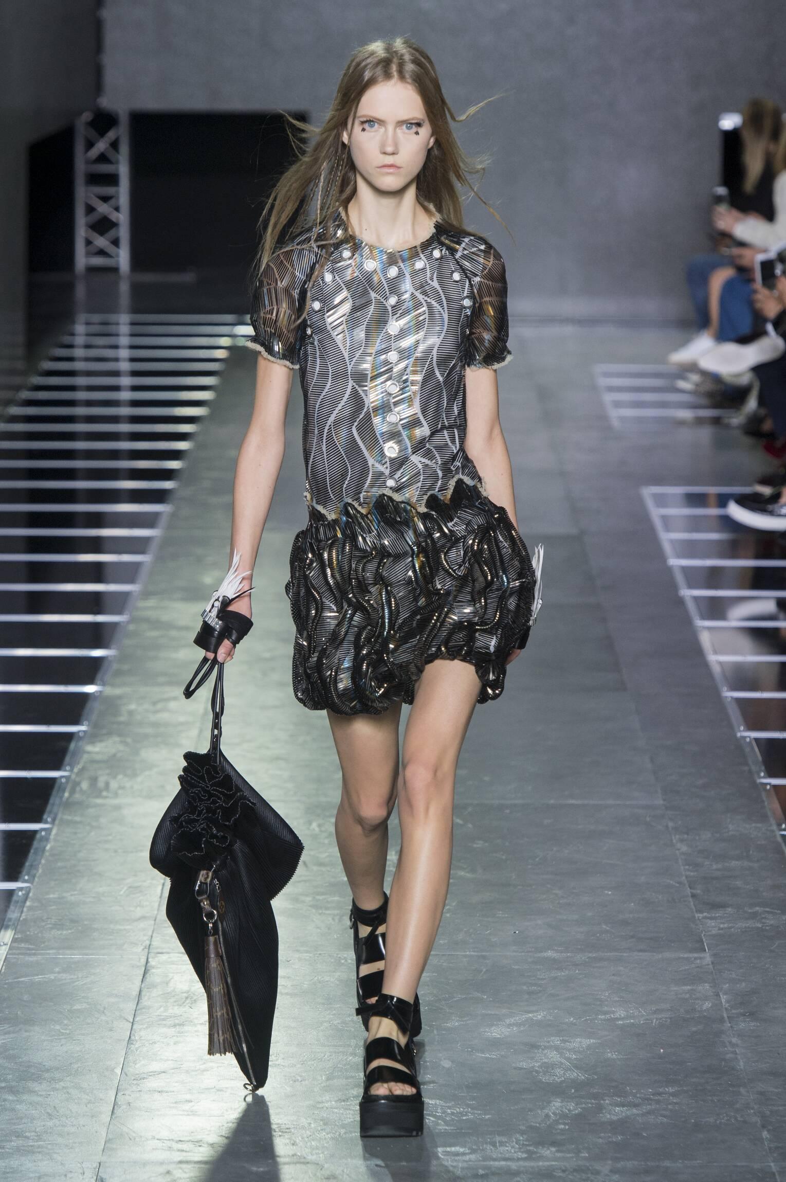 Fashion 2016 Catwalk Louis Vuitton