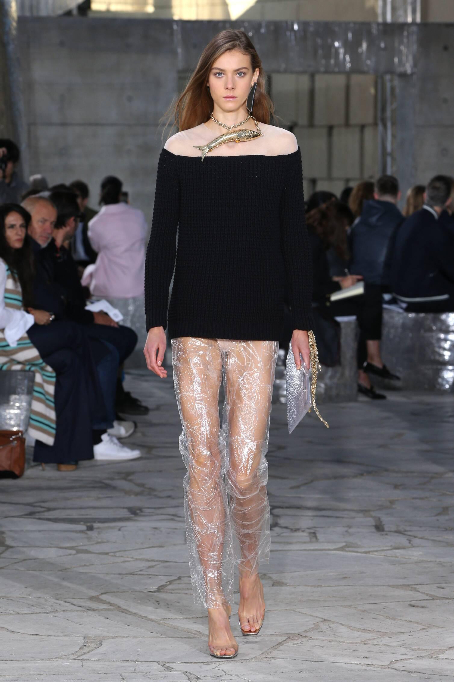 Loewe Fashion Show SS 2016
