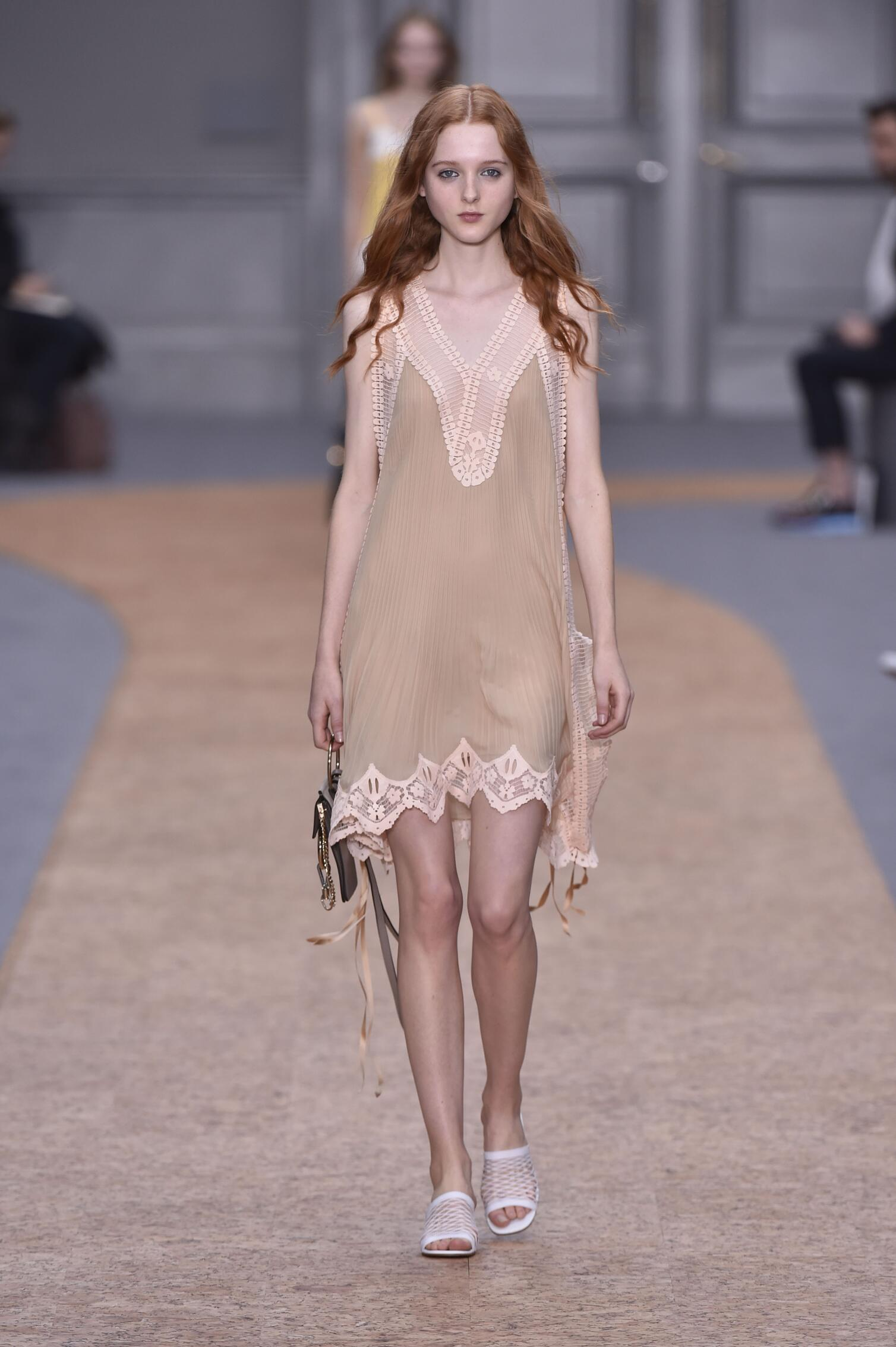 Runway Chloé Spring Summer 2016 Women's Collection Paris Fashion Week