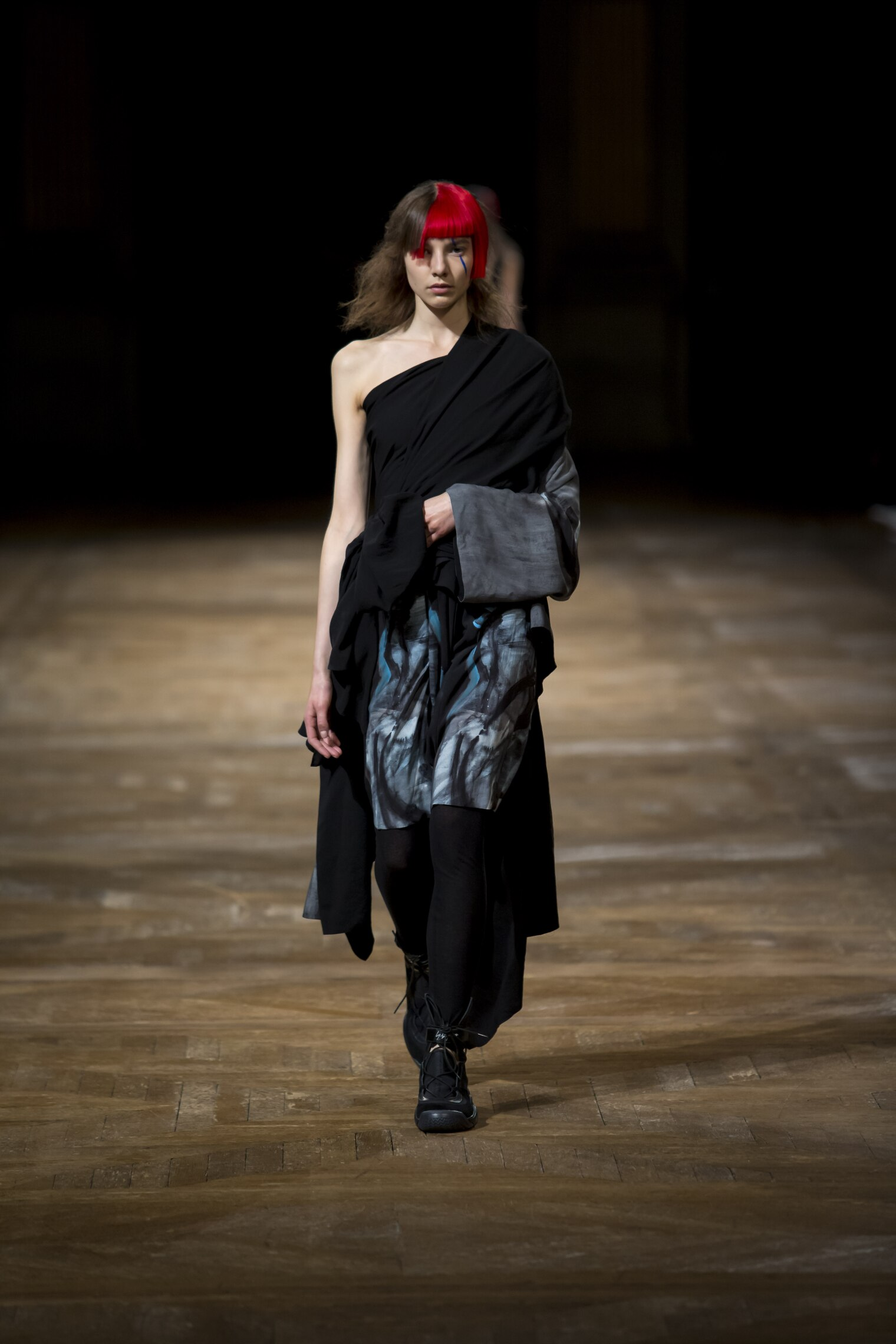 Runway Yohji Yamamoto Spring Summer 2016 Women's Collection Paris Fashion Week