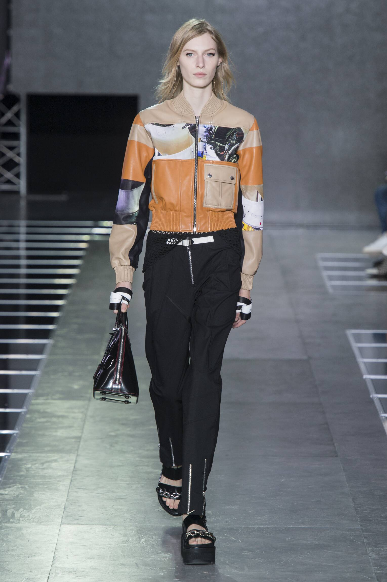 SS 2016 Louis Vuitton Fashion Show Paris