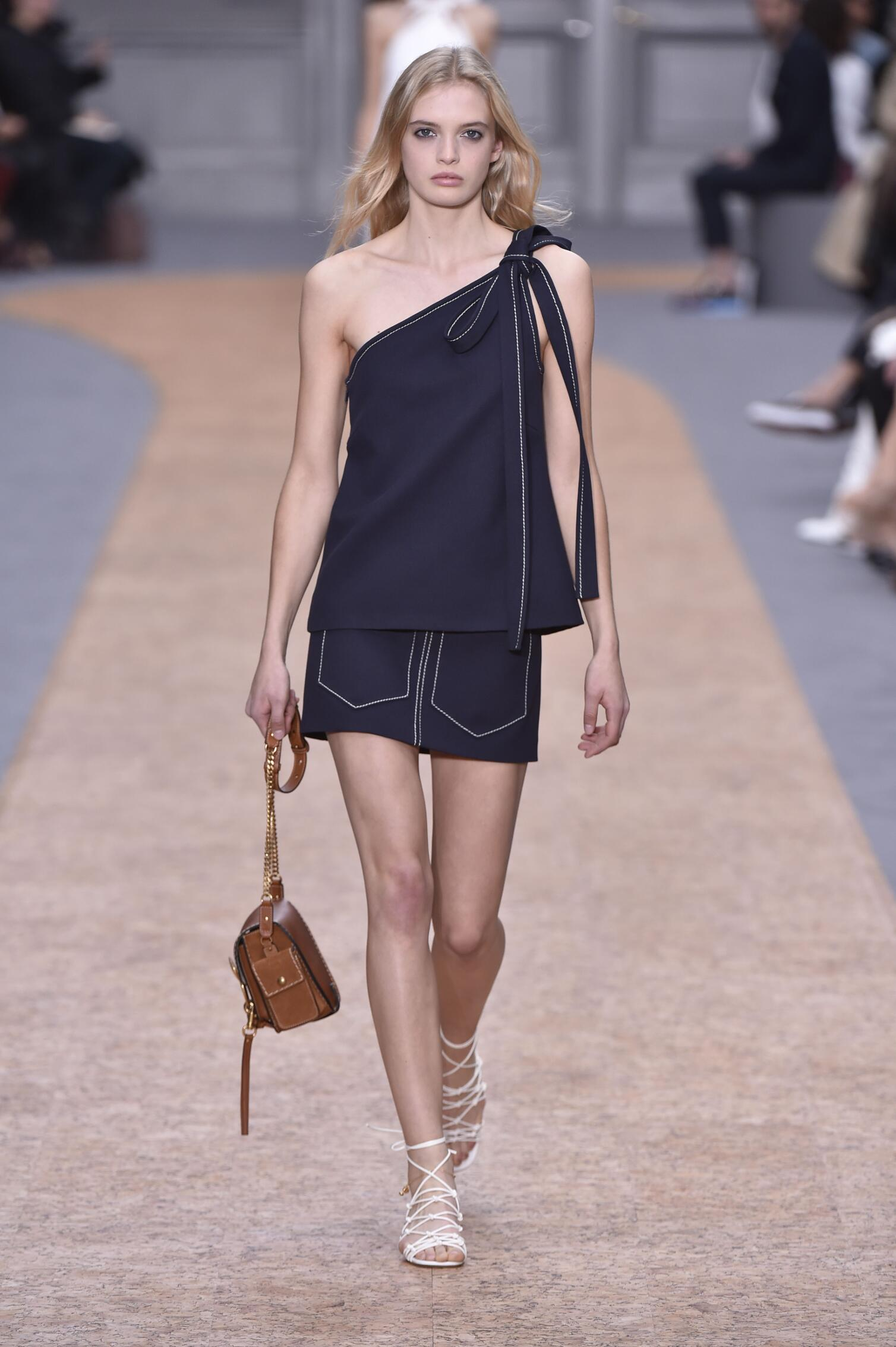 Spring 2016 Woman Fashion Show Chloé