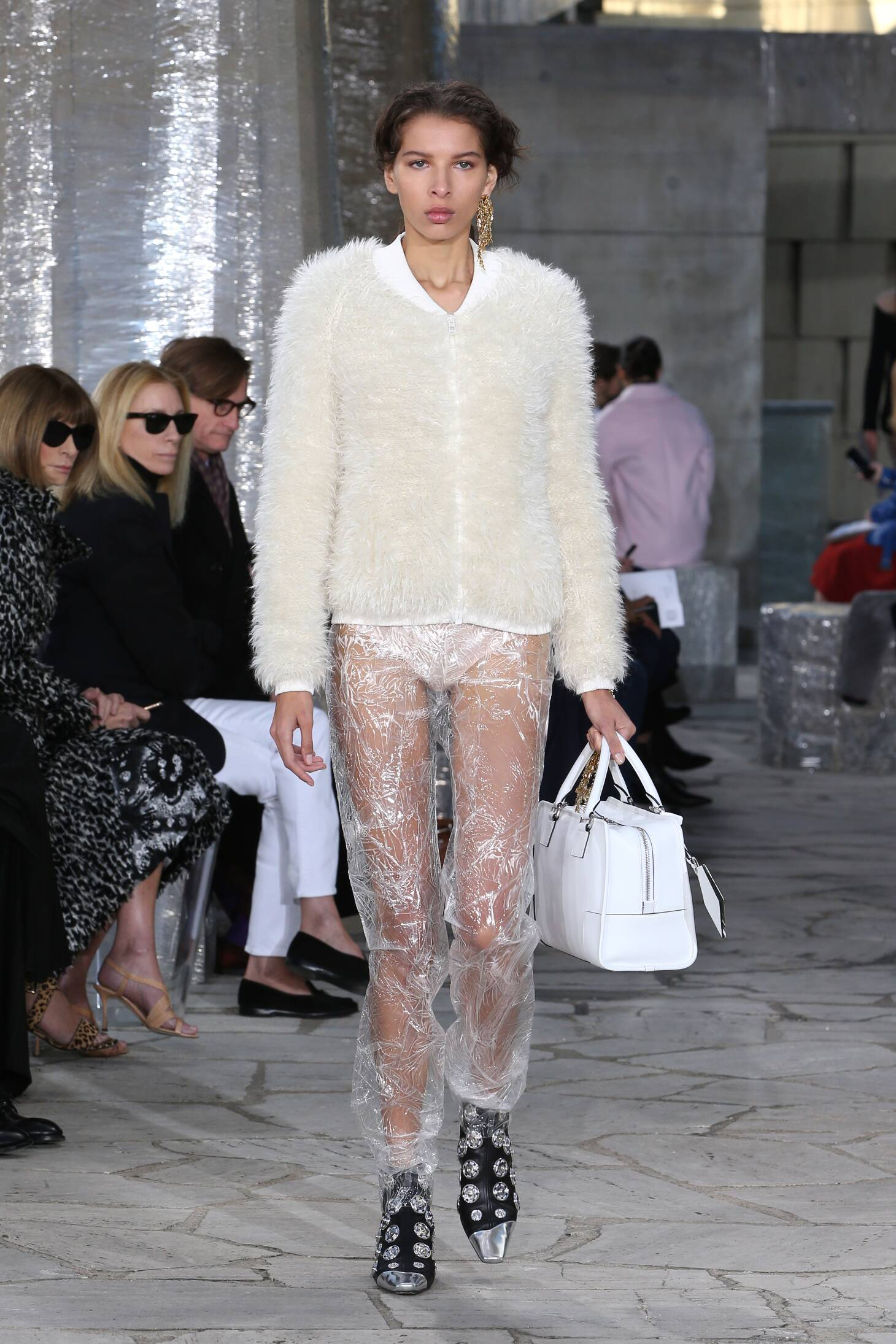 Spring 2016 Woman Fashion Show Loewe