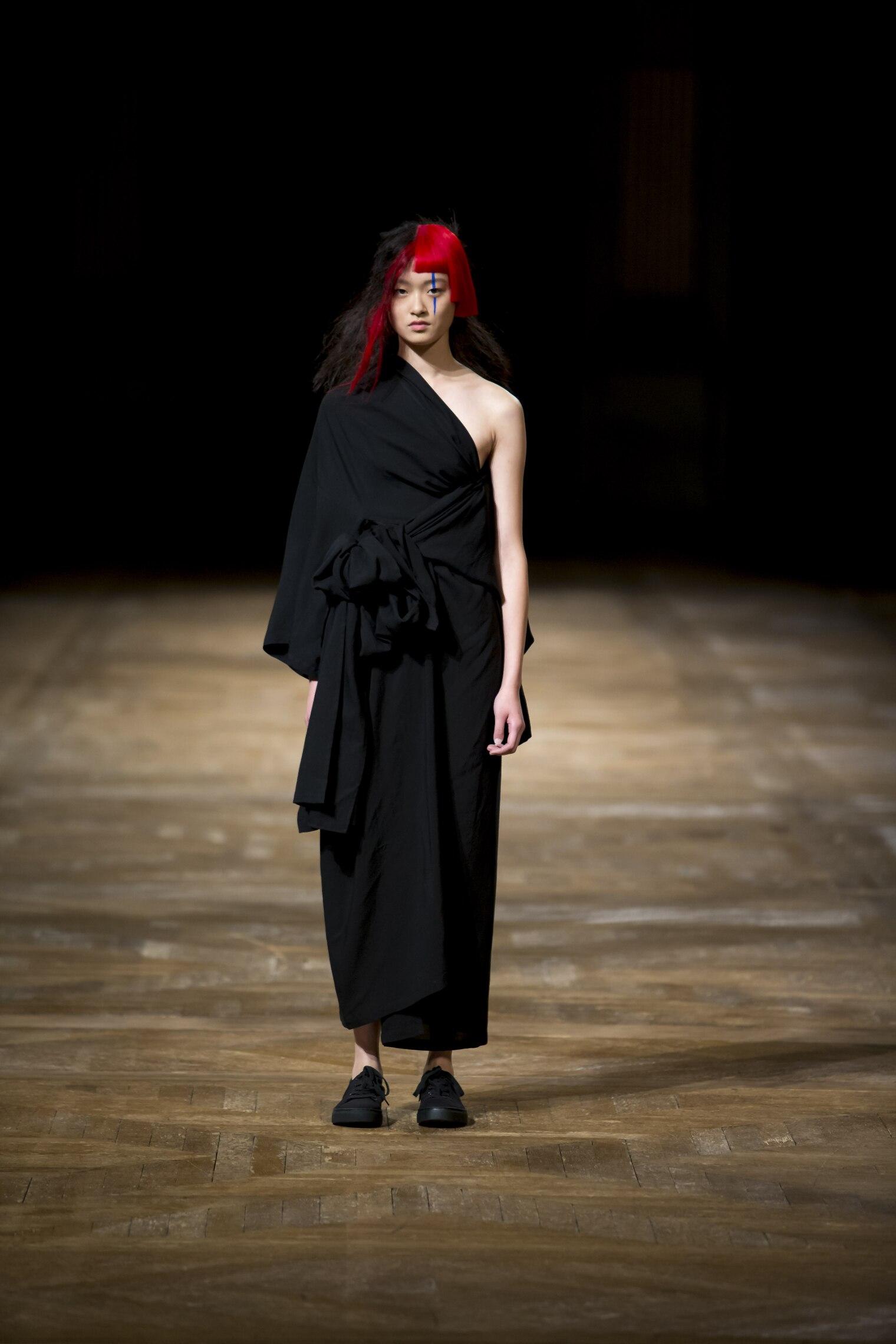 Spring 2016 Woman Fashion Show Yohji Yamamoto