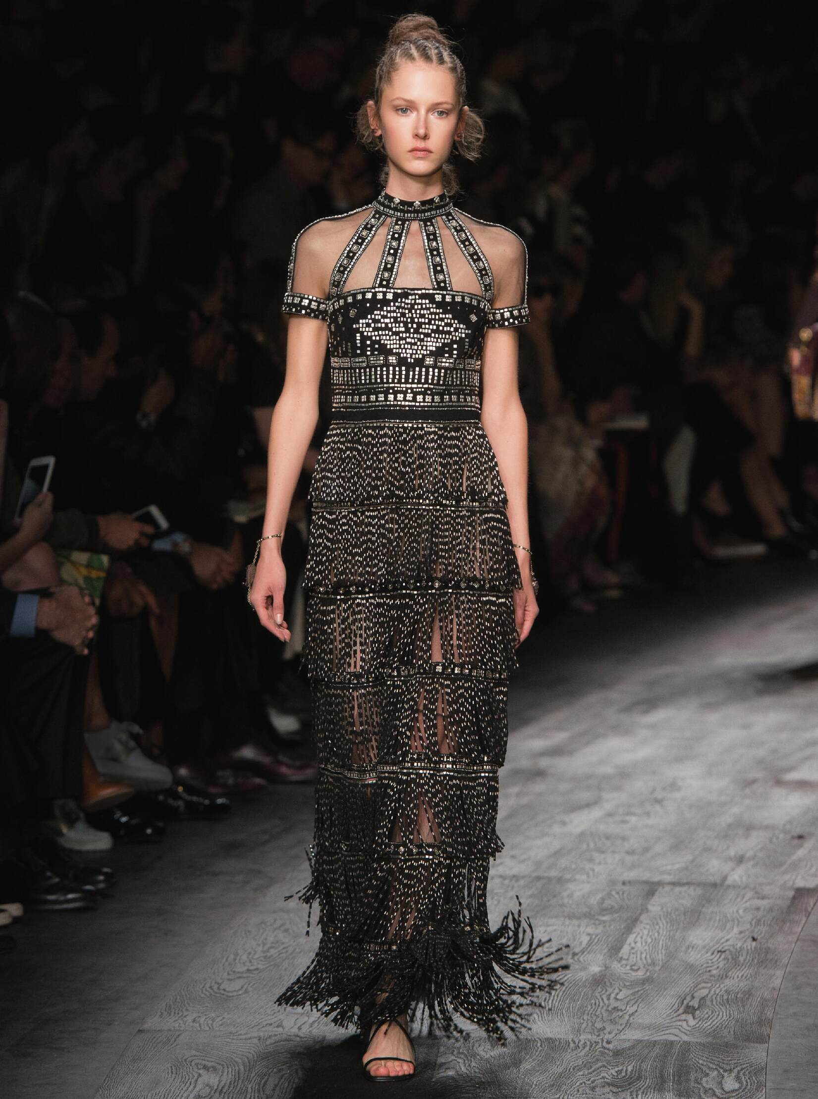 Valentino Summer 2016 Catwalk