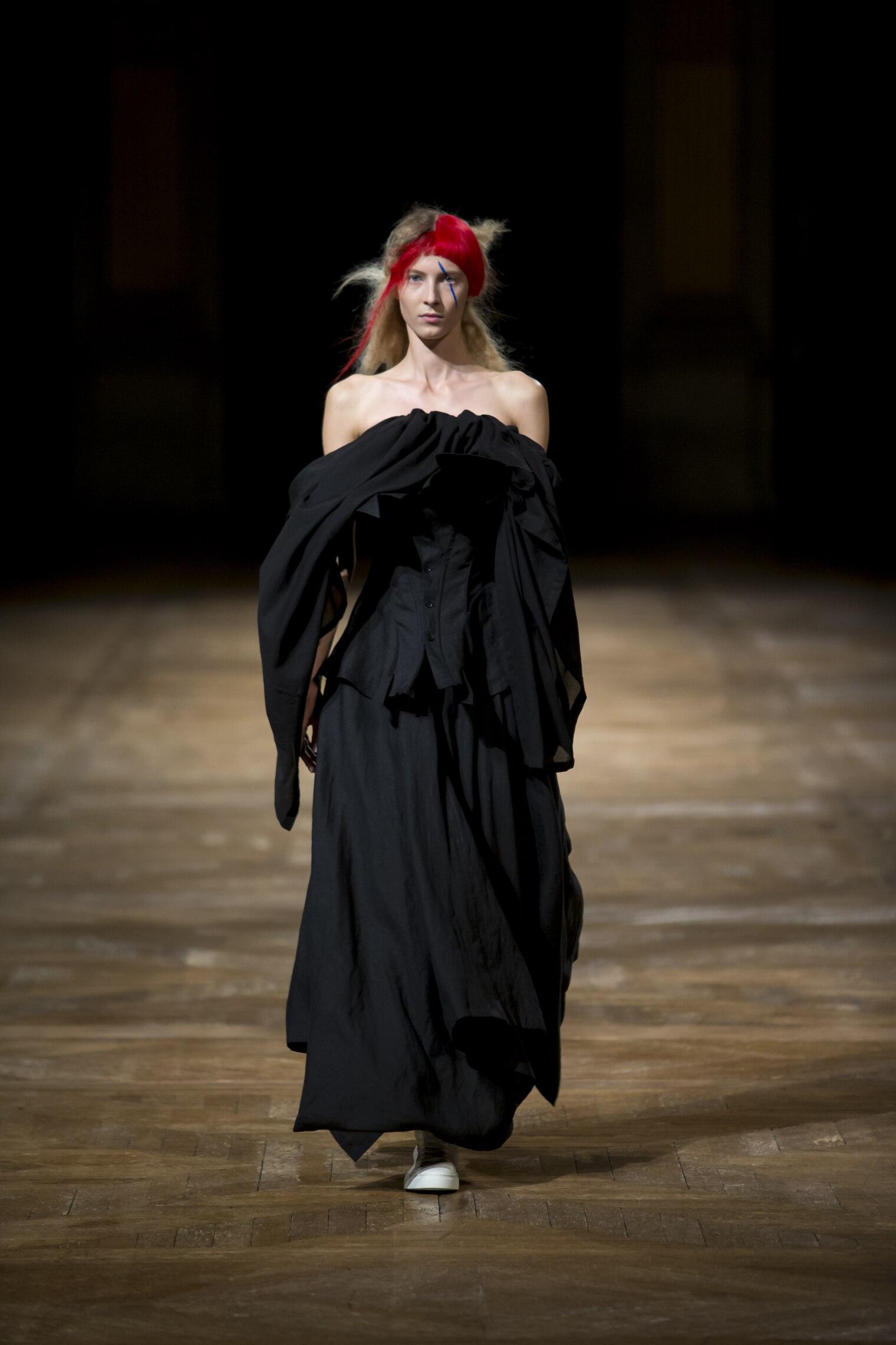 Yohji Yamamoto Spring Summer 2016 Womens Collection Paris Fashion Week