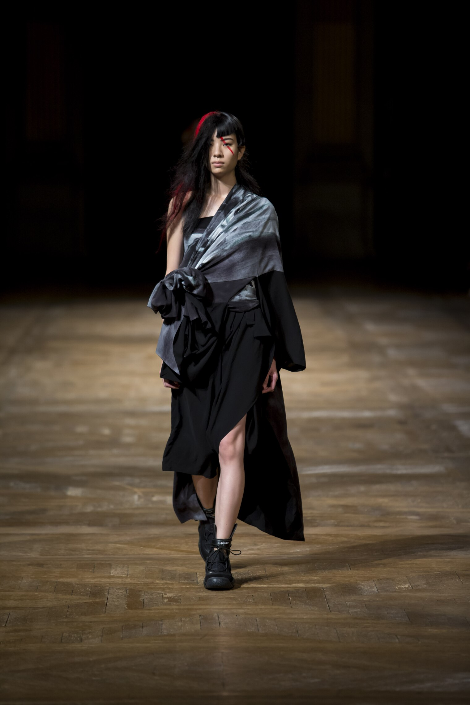 Yohji Yamamoto Women's Collection 2016