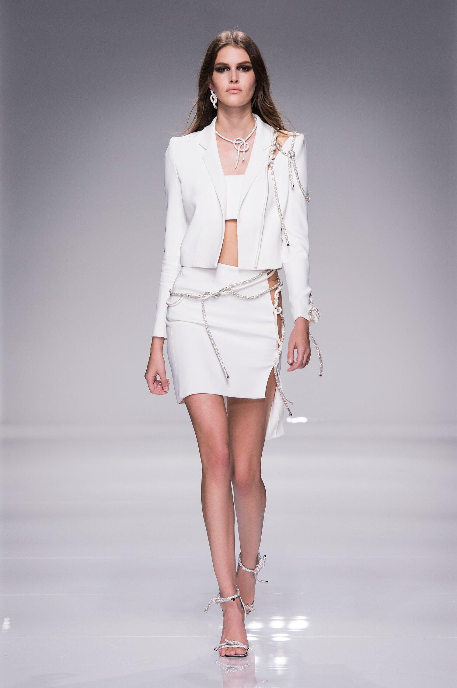 2016 Atelier Versace Couture Catwalk