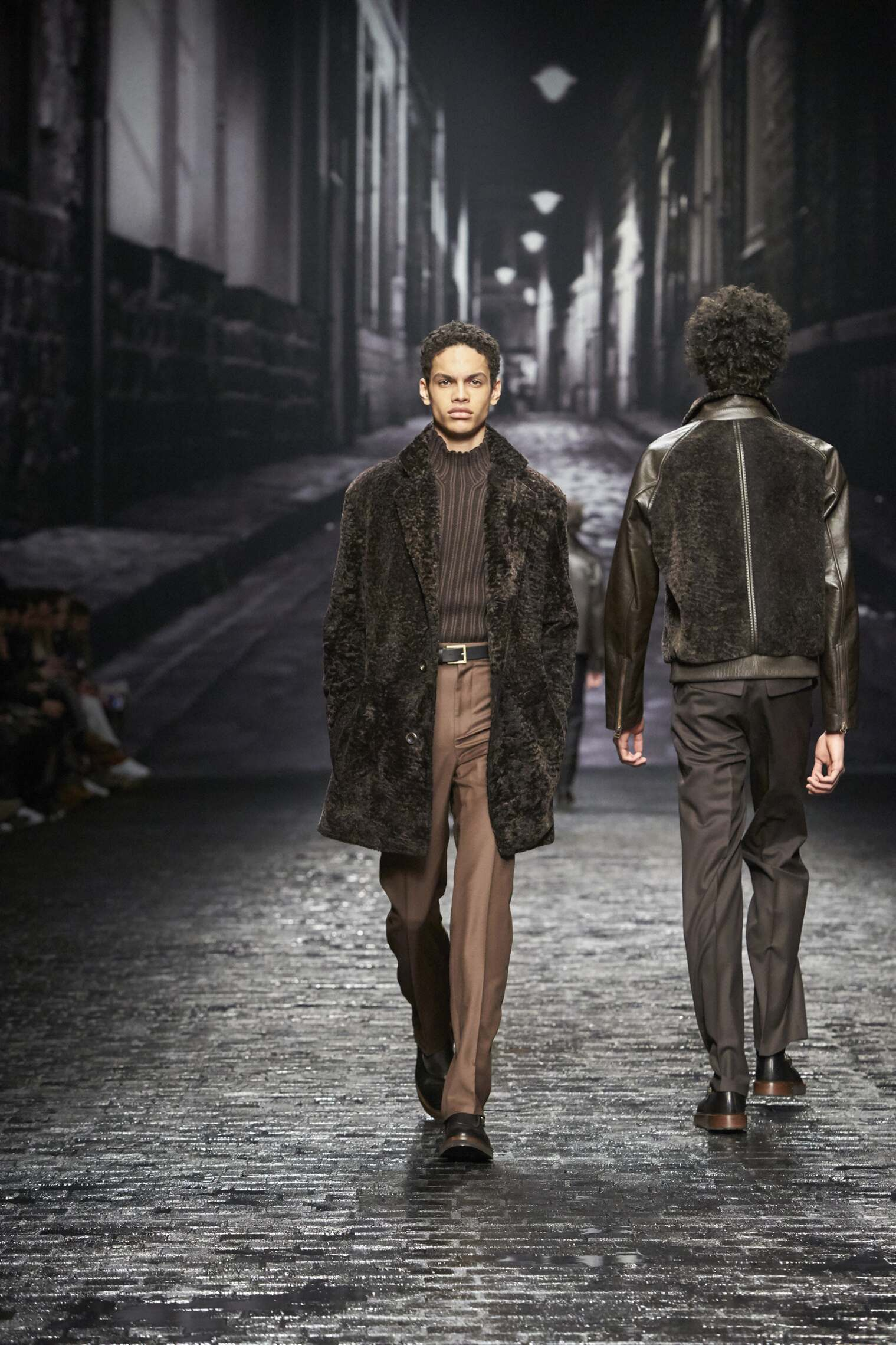 2016 Catwalk Corneliani Man Fashion Show Winter