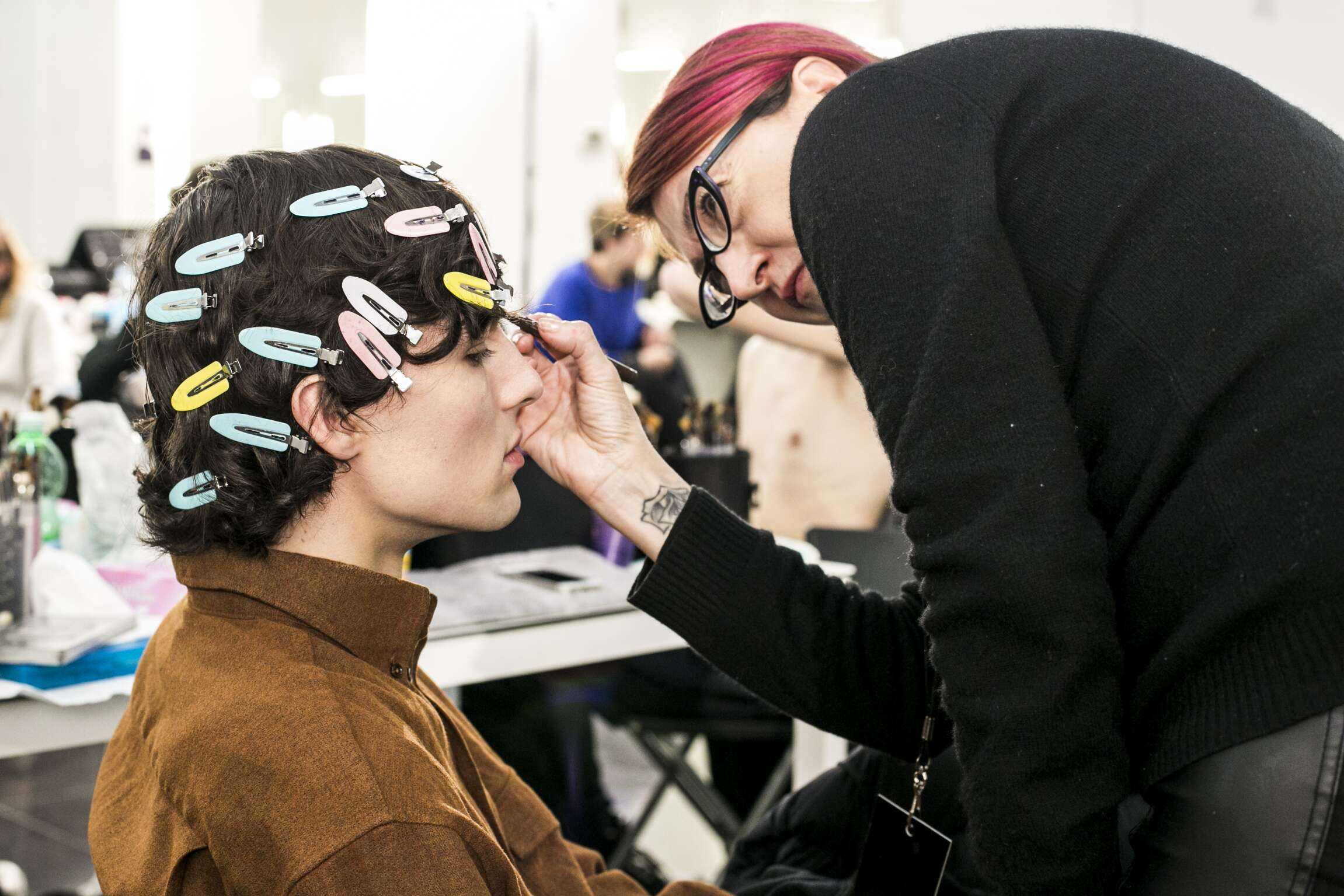 Backstage Ermenegildo Zegna Couture Models Make Up