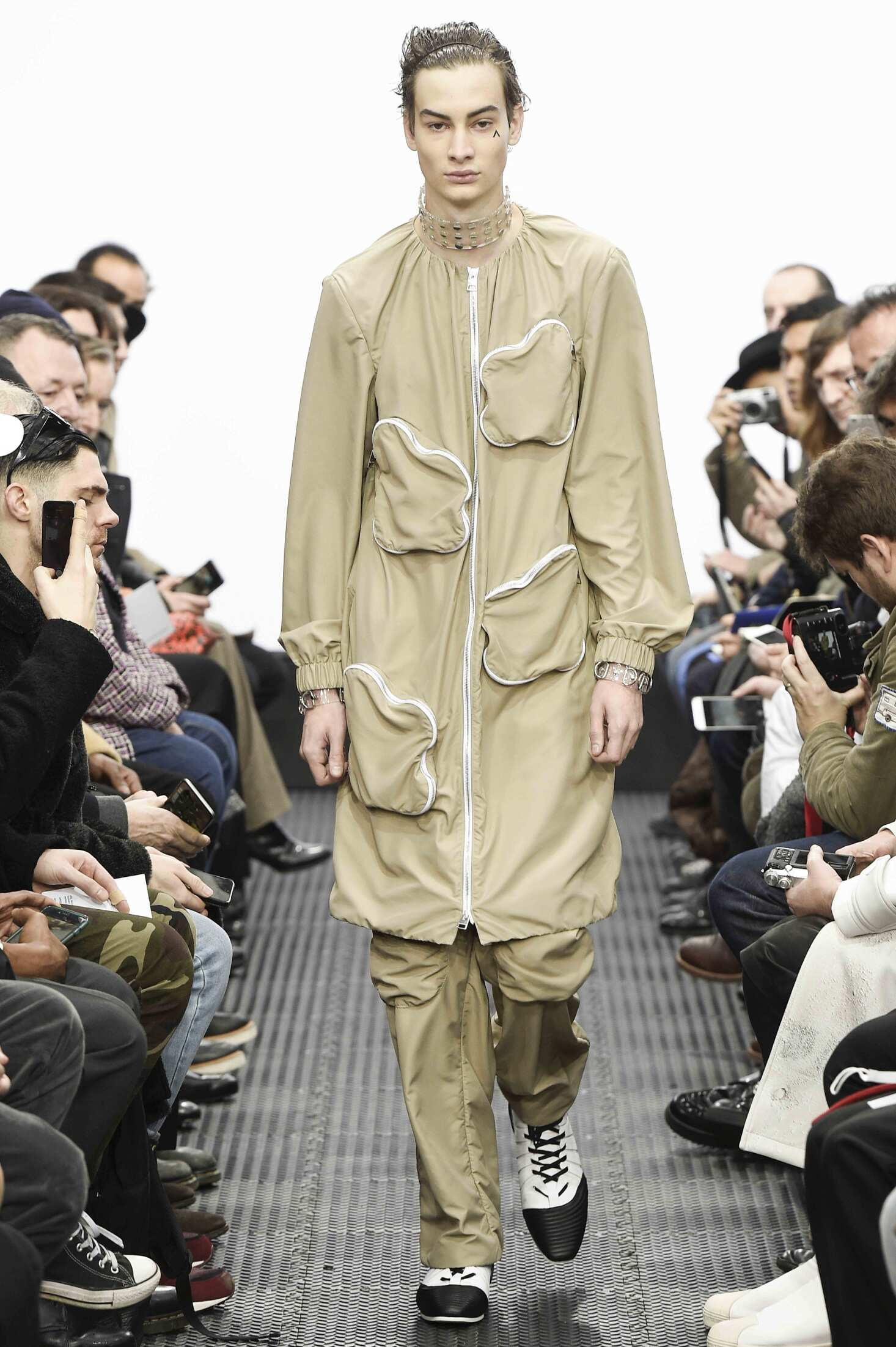 Catwalk J.W. Anderson Man Fashion Show Winter 2016