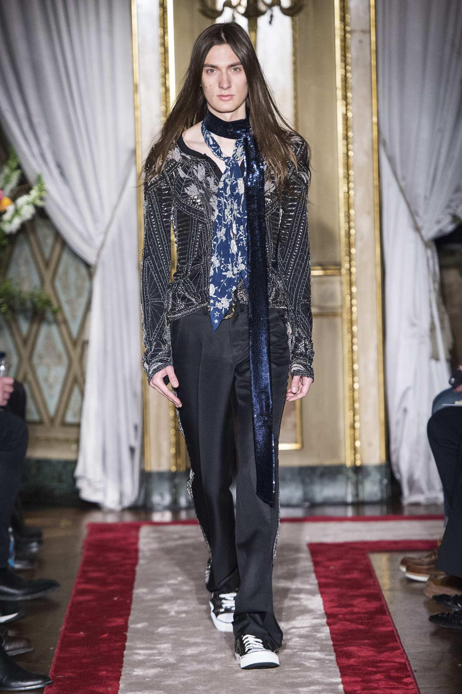Catwalk Roberto Cavalli Man Fashion Show Winter 2016