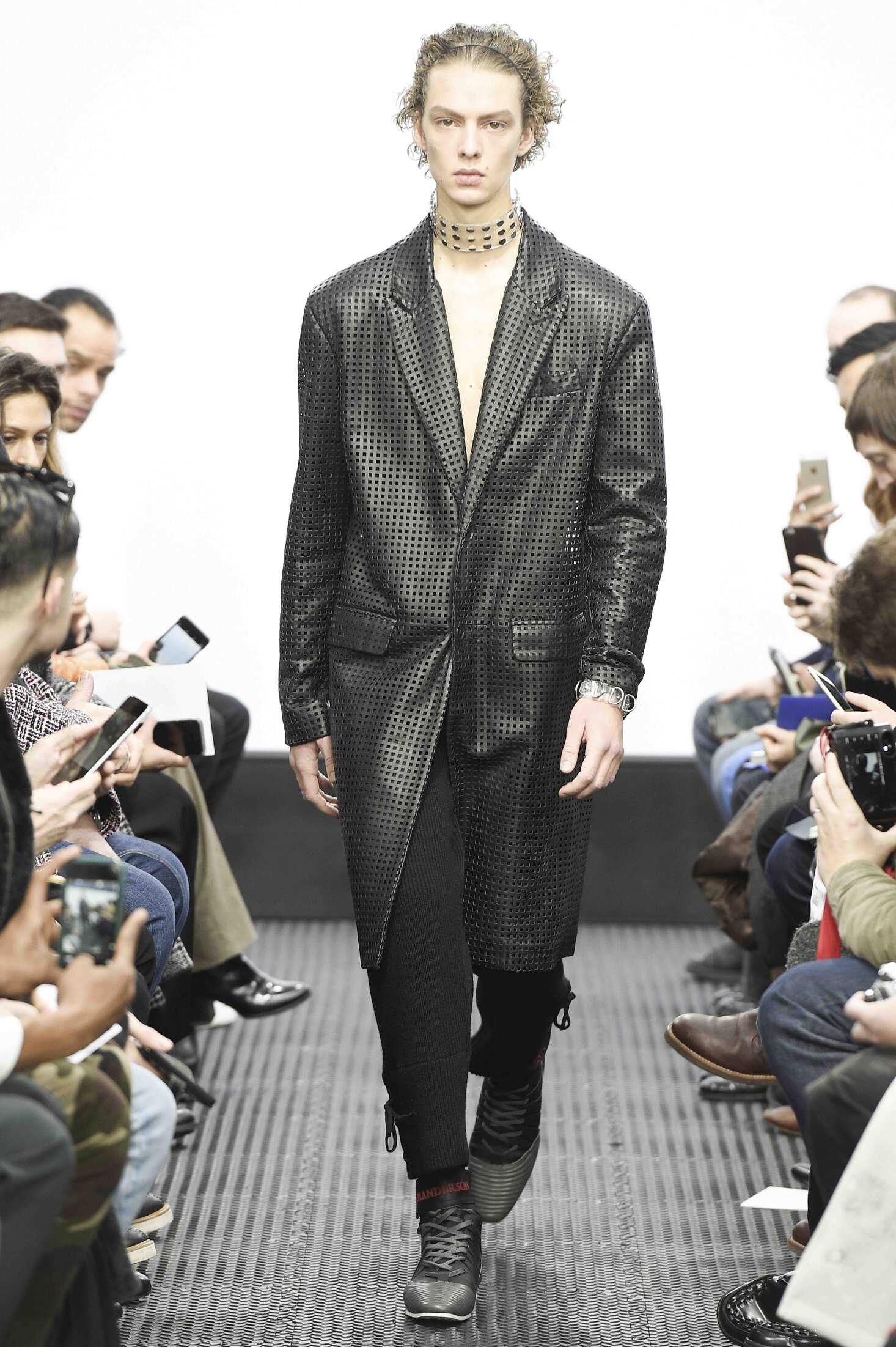 Fall 2016 17 Man Fashion Show J.W. Anderson