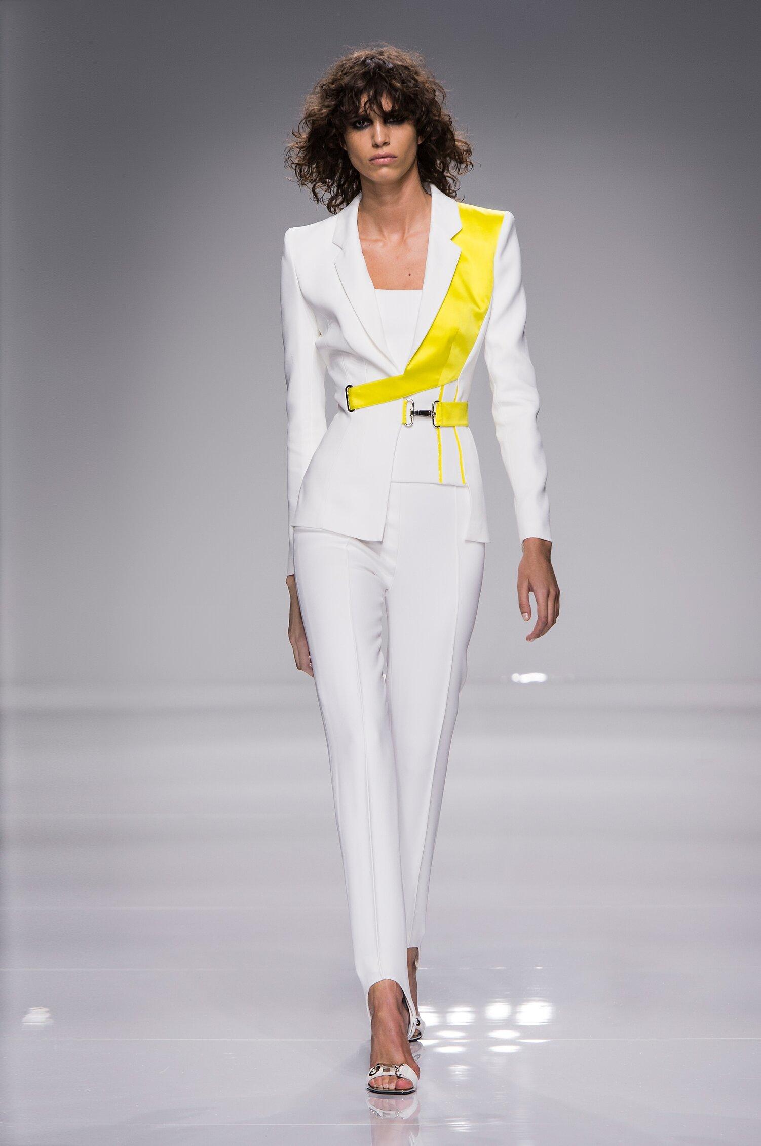 Model Fashion Show Atelier Versace Couture