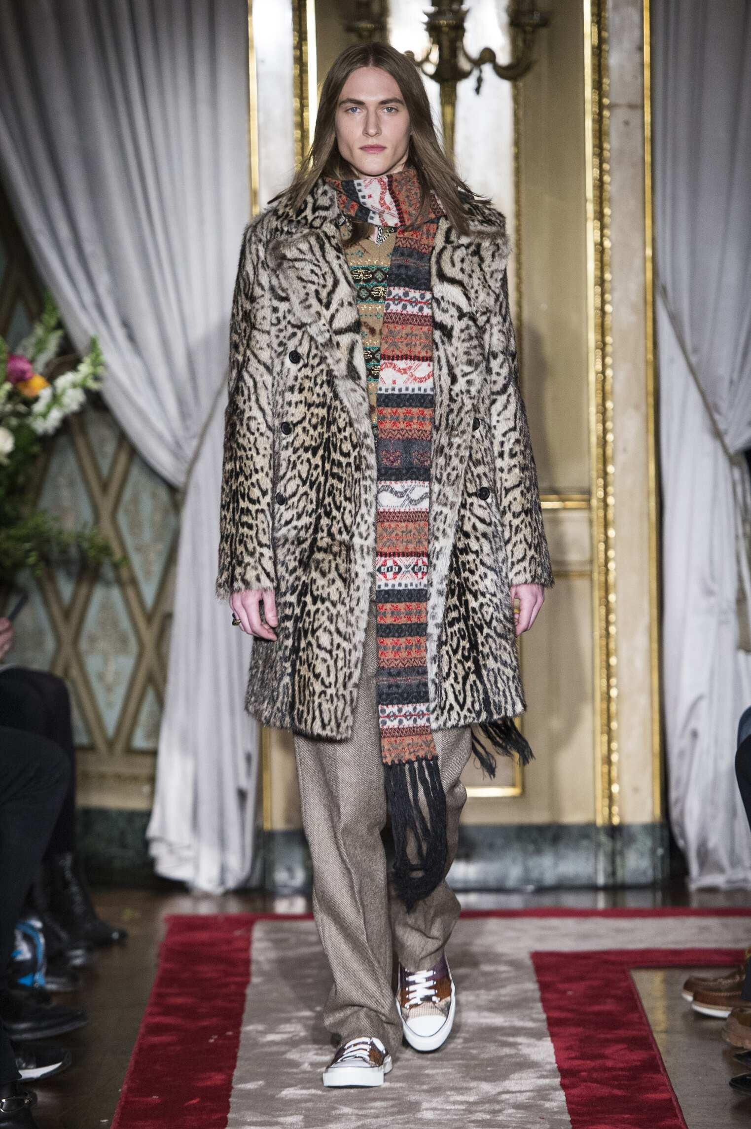 Roberto Cavalli Fashion Show FW 2016 17