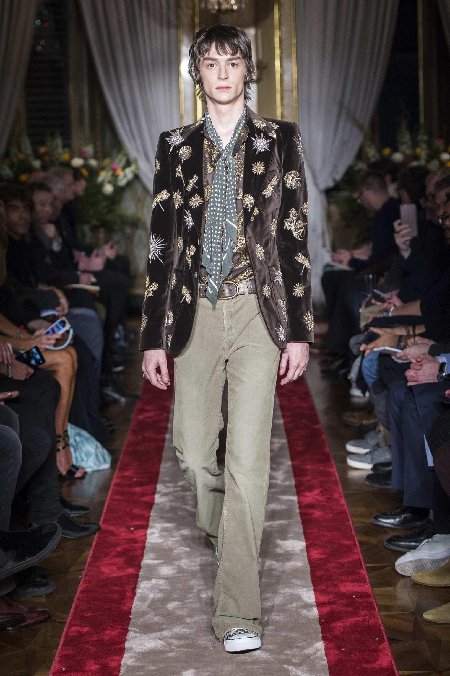 Runway Roberto Cavalli Fall Winter 2016 Men's Collection Milan Fashion Week