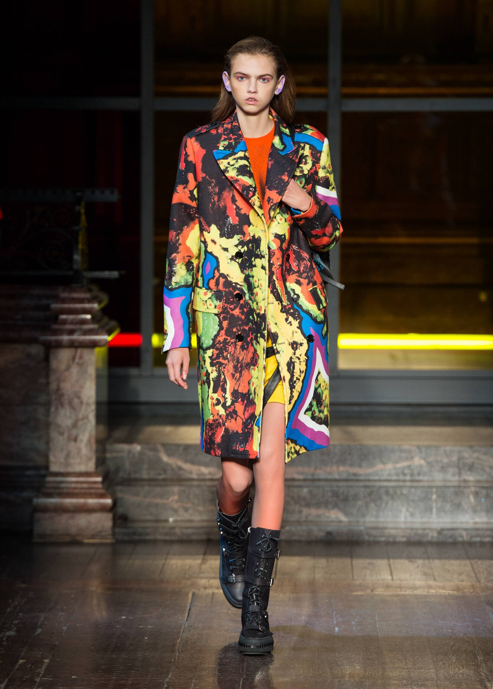Womenswear Fall Winter Moschino 2016 2017