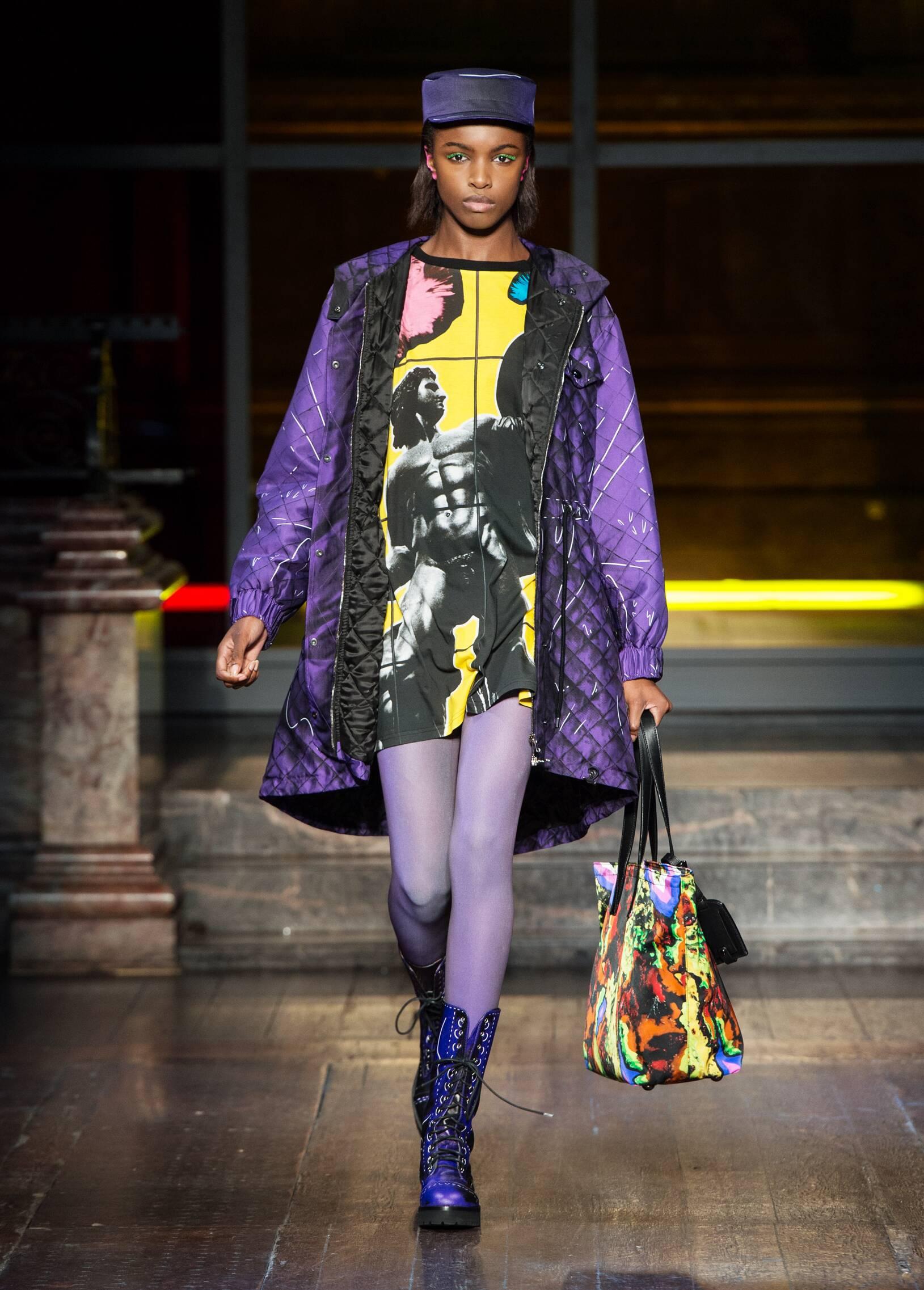 Womenswear Winter Moschino 2016