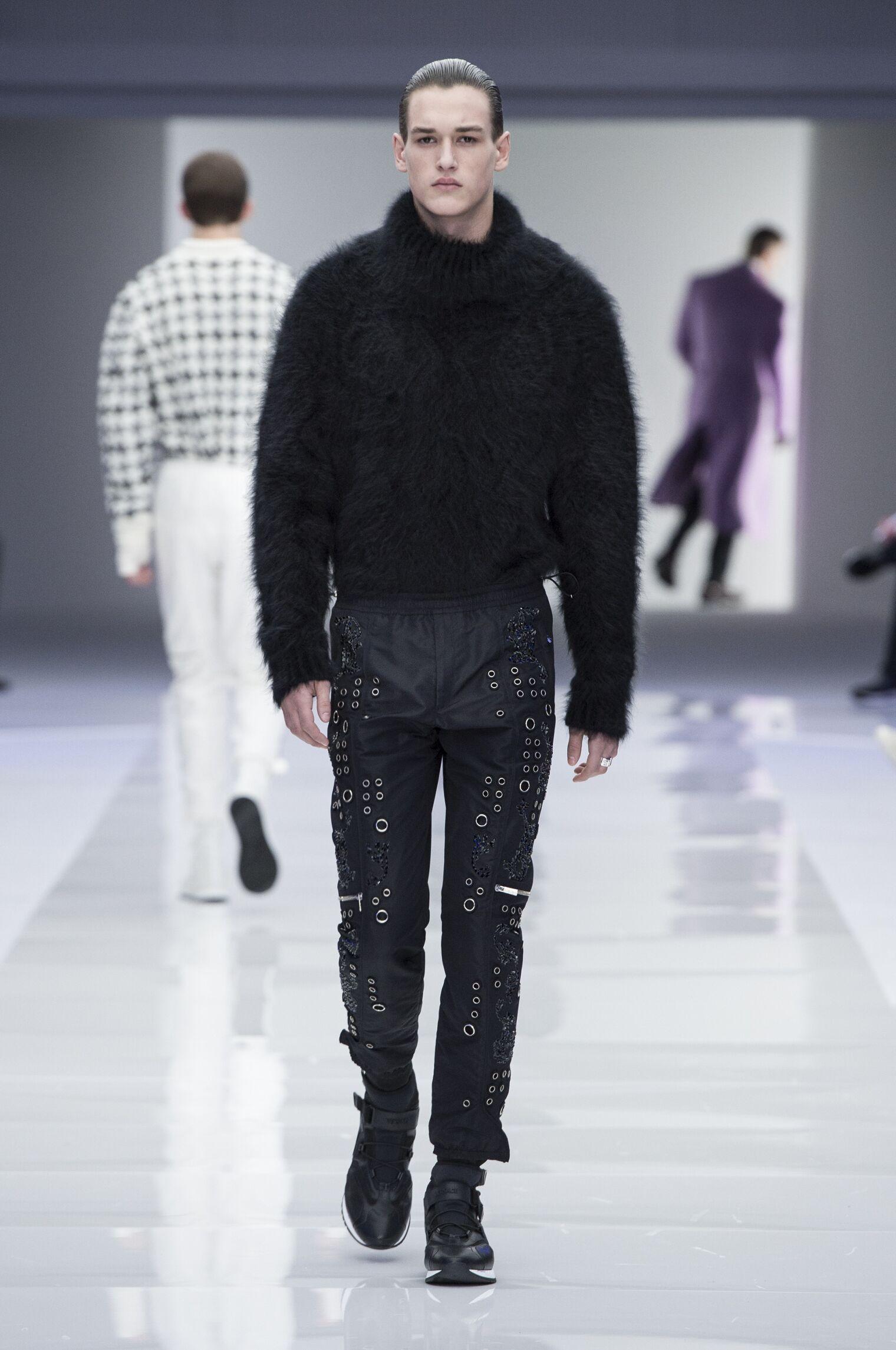 2016-17 Versace Winter Runway