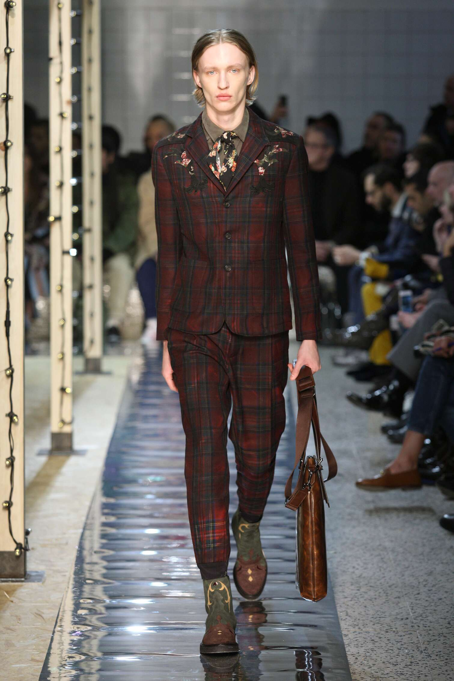 2016 Catwalk Antonio Marras Man Fashion Show Winter