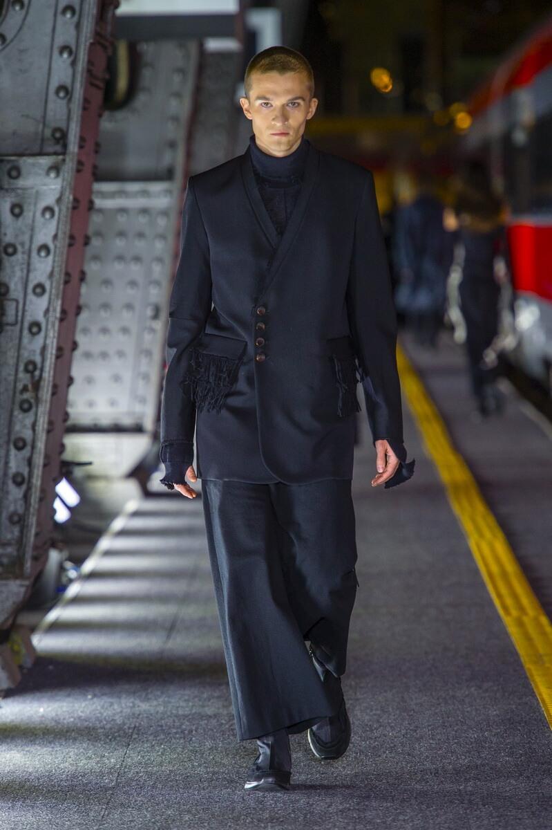 2016 Catwalk Damir Doma Man Fashion Show Winter